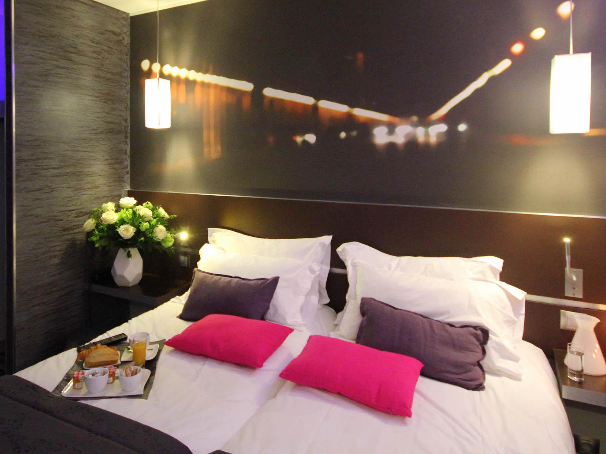 Extrêmement Hotel in PARIS - Hotel Lumières Montmartre CB94