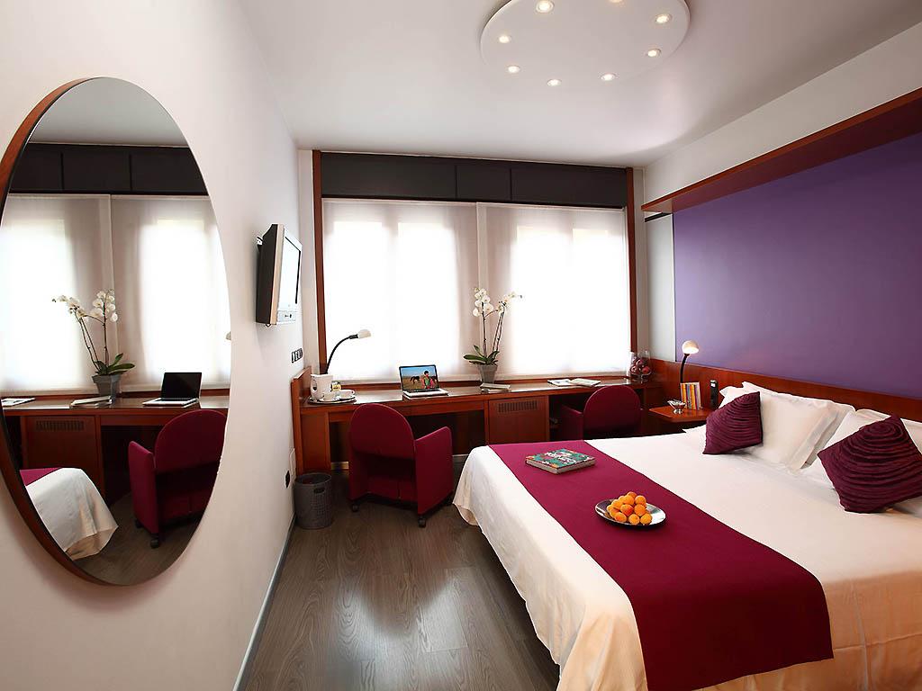 Muur ontwerp woonkamer bruin turquoise - Deco romantische kamer beige ...
