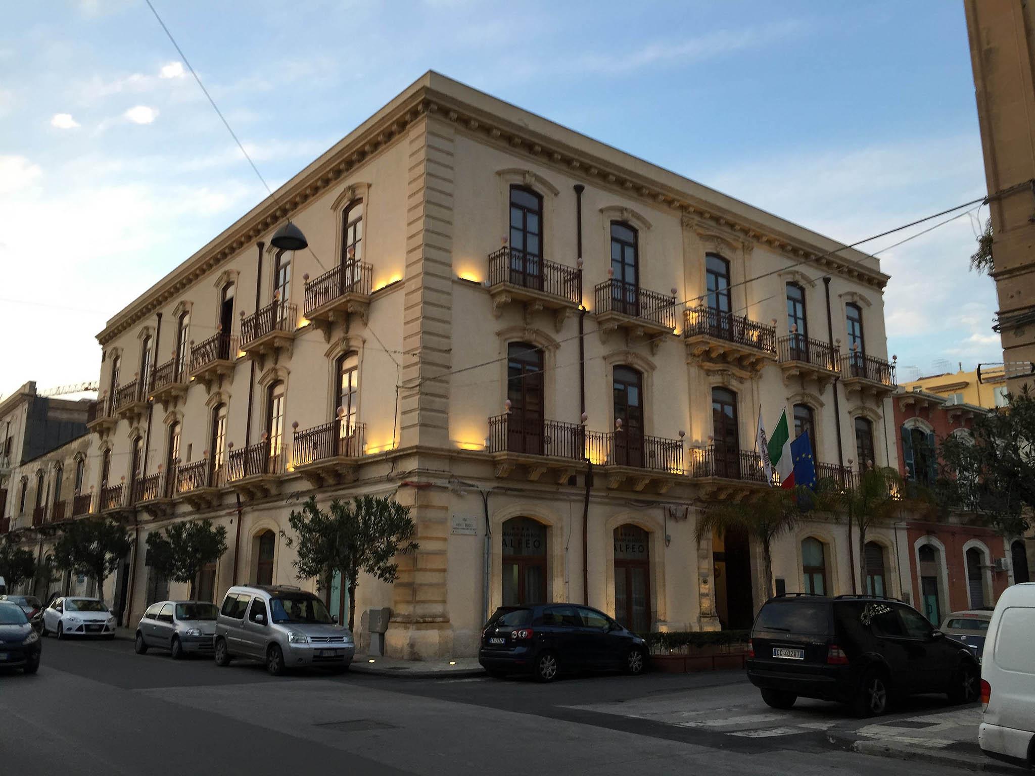 Hotel a siracusa grande albergo alfeo for Hotel siracusa 3 stelle