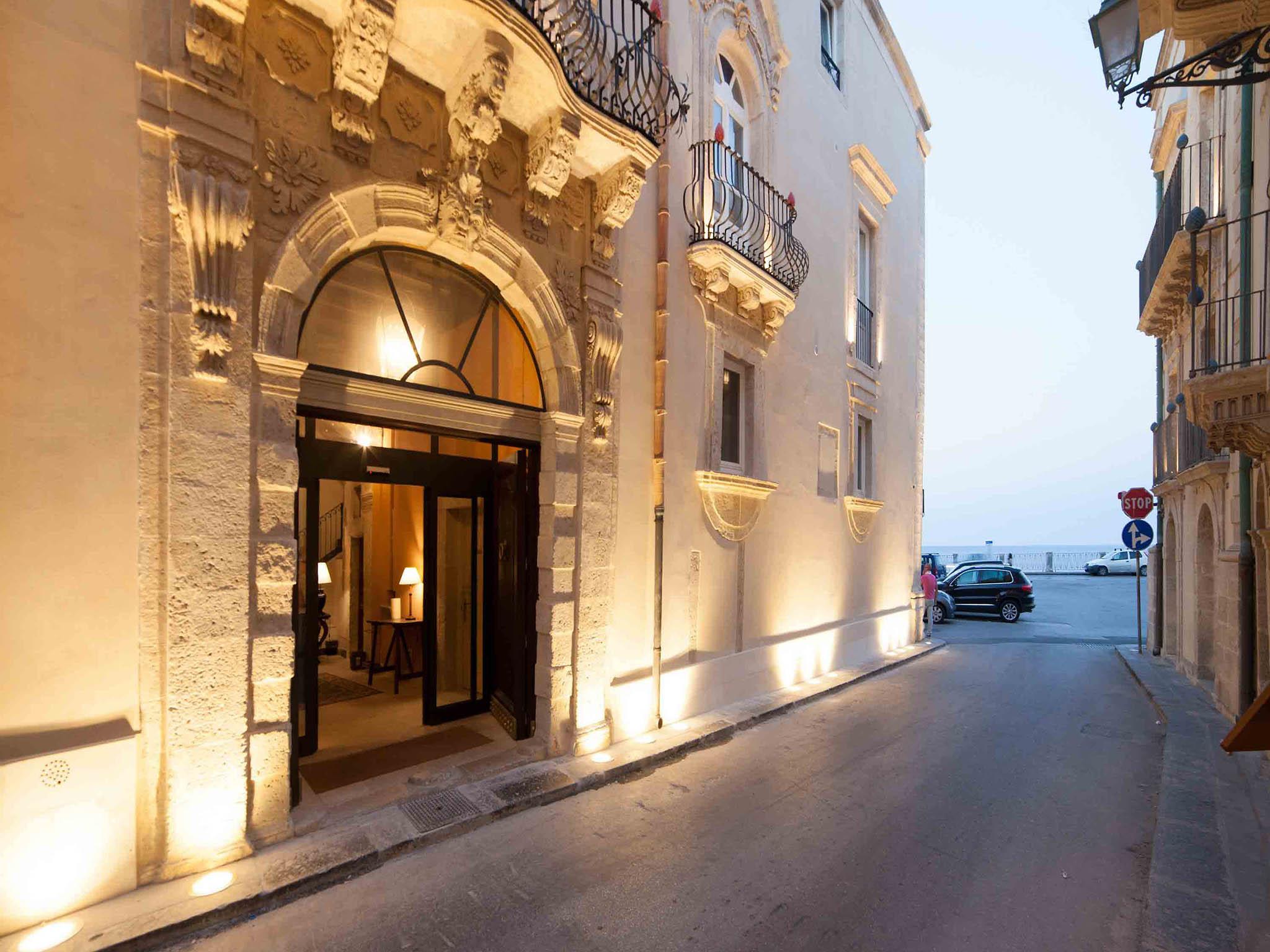 Hotel em siracusa algil ortigia charme hotel for Siracusa hotels ortigia