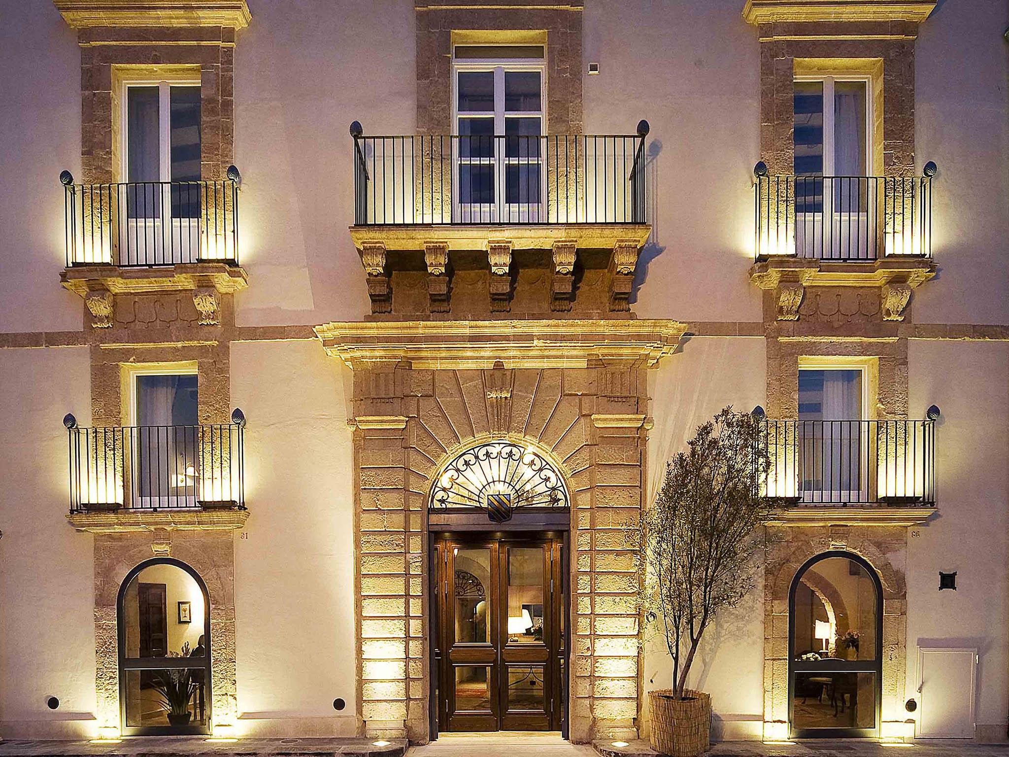 Hotel a siracusa algil ortigia charme hotel for Alberghi di siracusa
