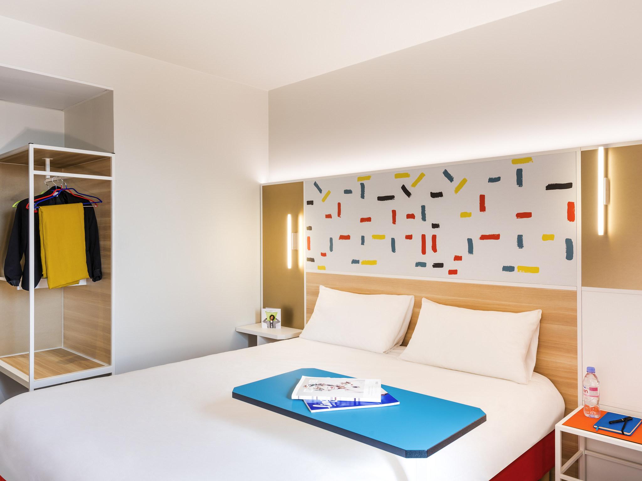 Hotel in guyancourt ibis styles guyancourt versailles for Style hotel