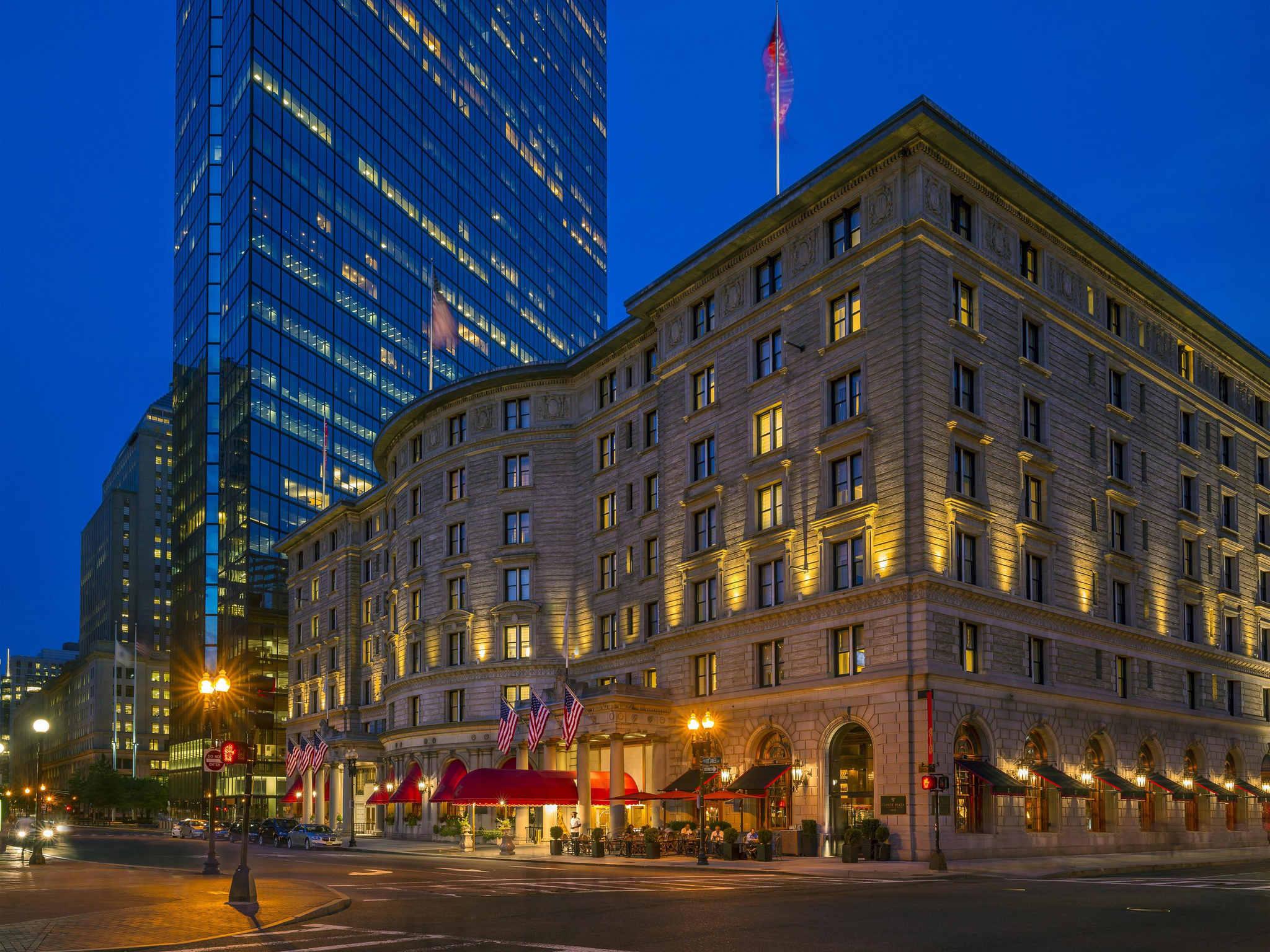 โรงแรม – Fairmont Copley Plaza
