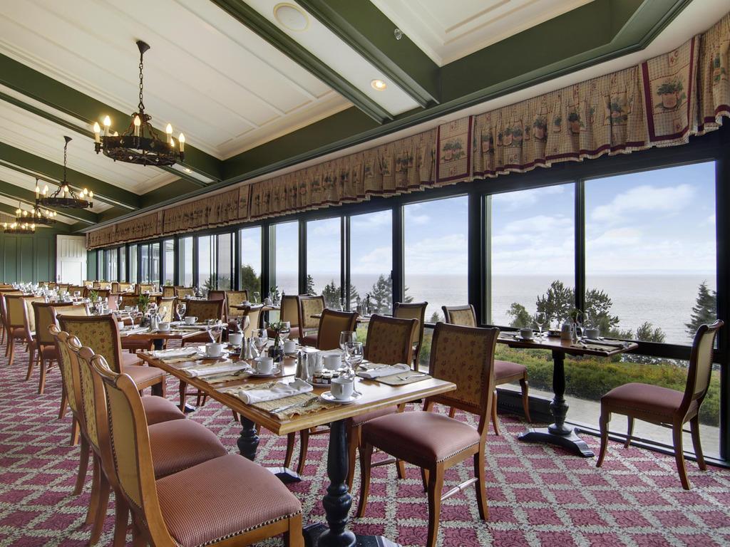 Le Saint Laurent Charlevoix Restaurants By Accorhotels