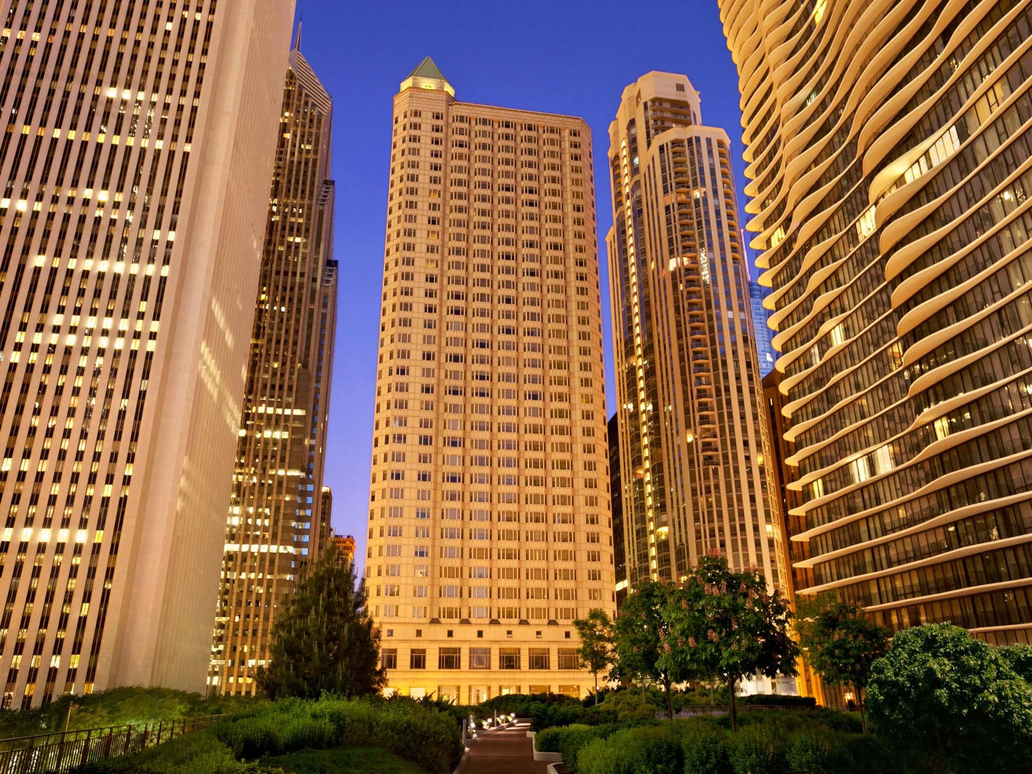 โรงแรม – Fairmont Chicago - Millennium Park