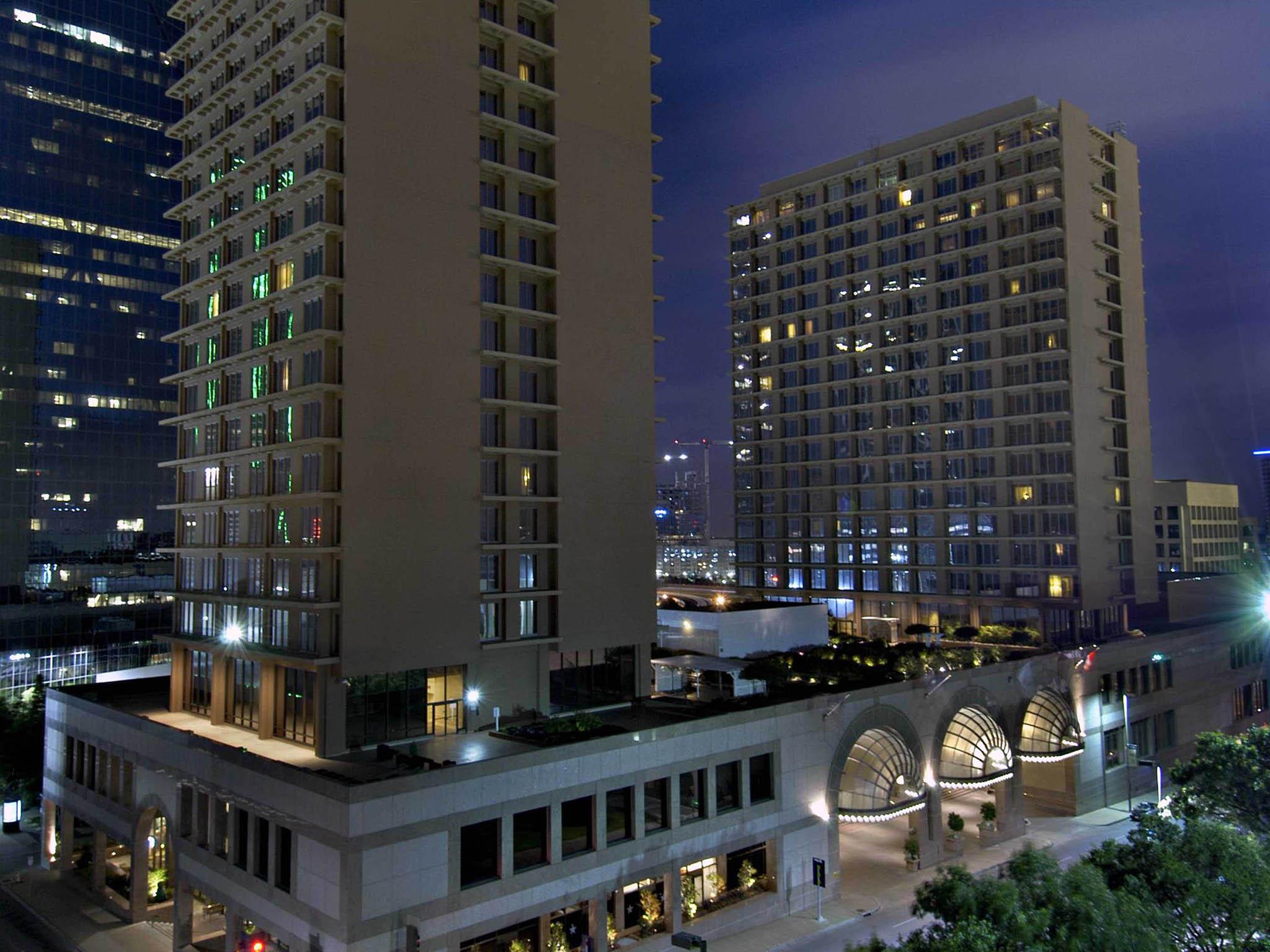 โรงแรม – Fairmont Dallas