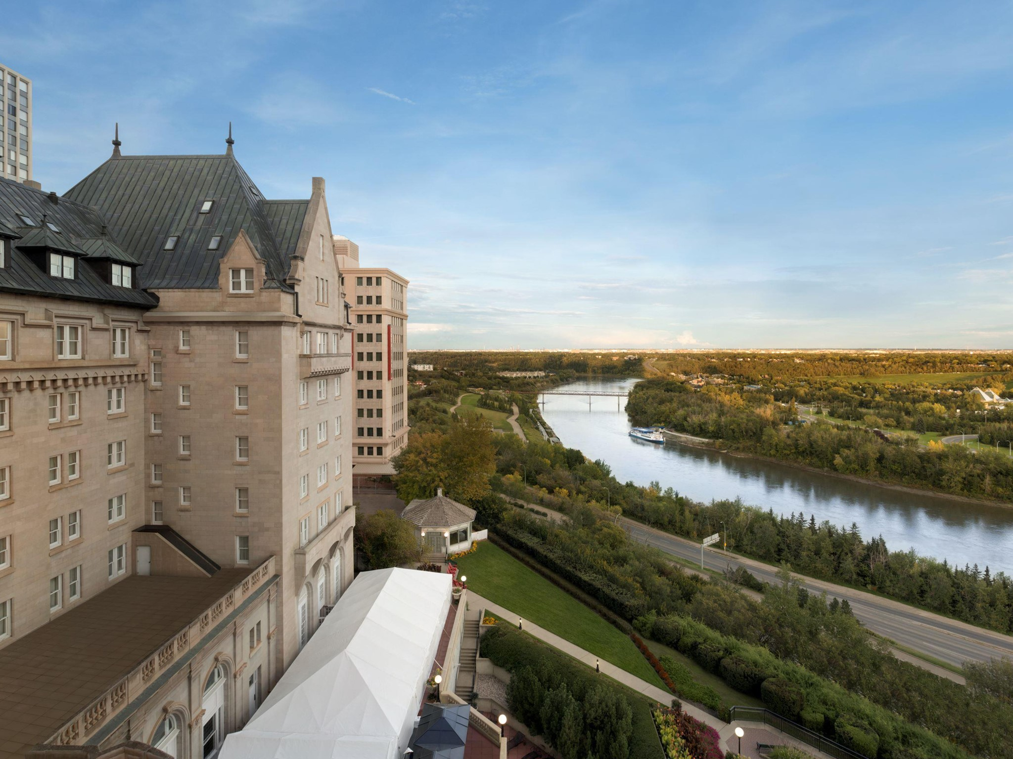 Hotell – Fairmont Hotel Macdonald