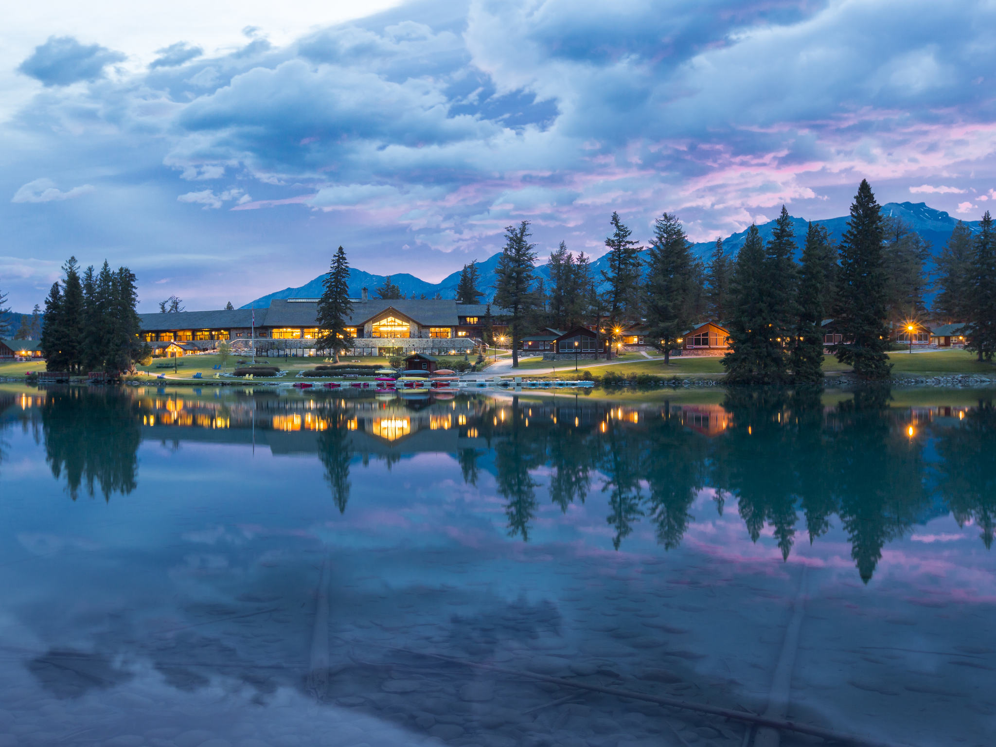 Hotel – Fairmont Jasper Park Lodge