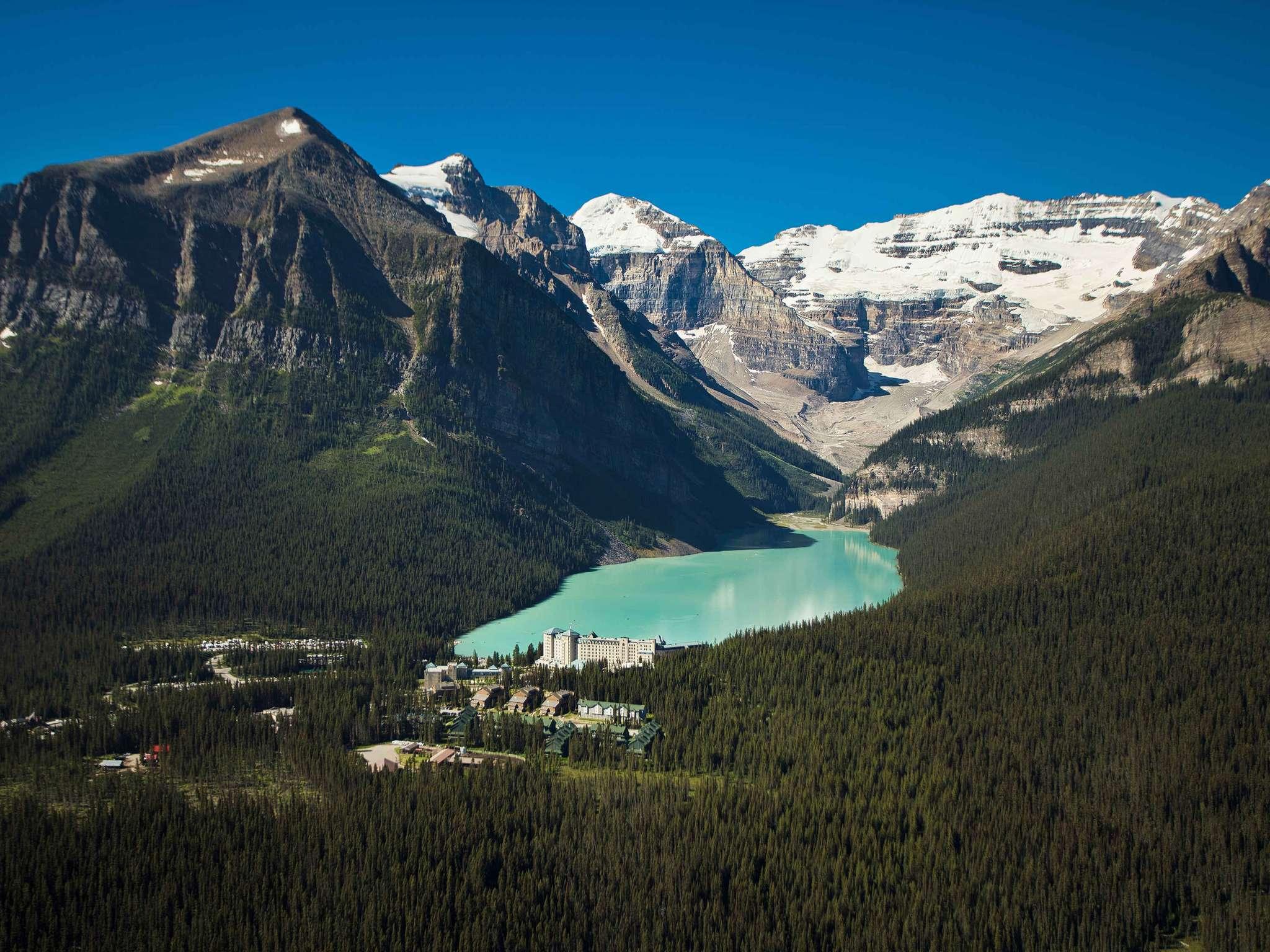 โรงแรม – Fairmont Château Lake Louise