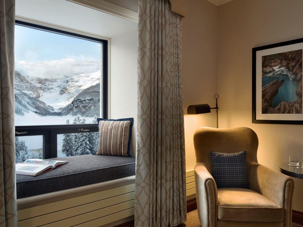 Hotel in Lake Louise - Fairmont Château Lake Louise ...