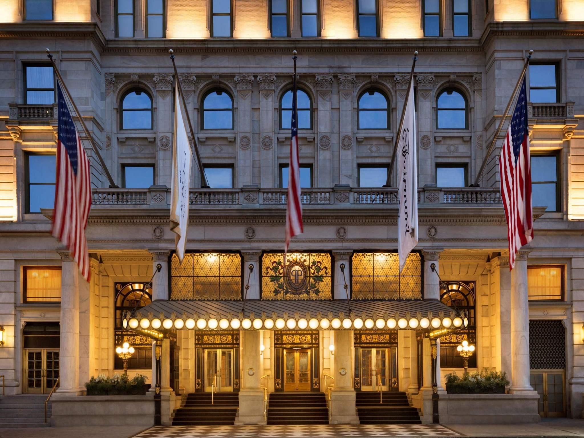 Отель — The Plaza - отель под управлением Fairmont