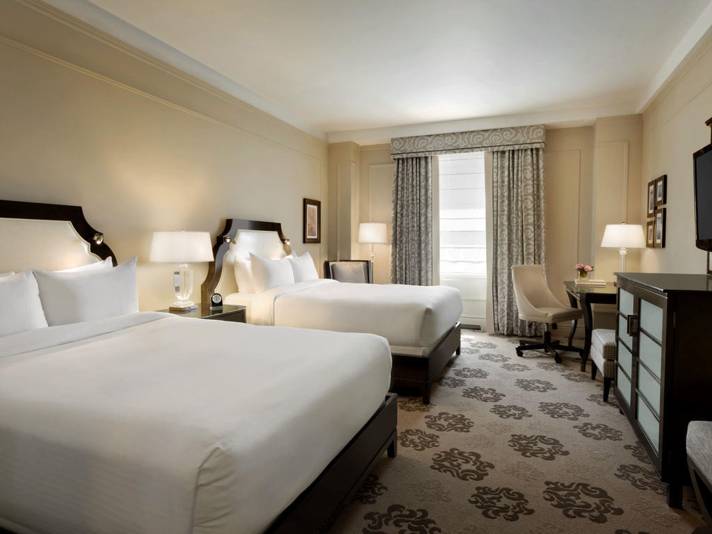 H tel vancouver fairmont hotel vancouver for Chambre queen size