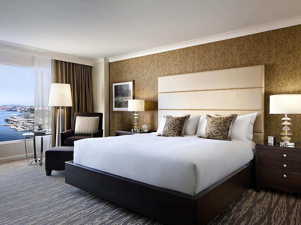 hotel in vancouver fairmont waterfront. Black Bedroom Furniture Sets. Home Design Ideas