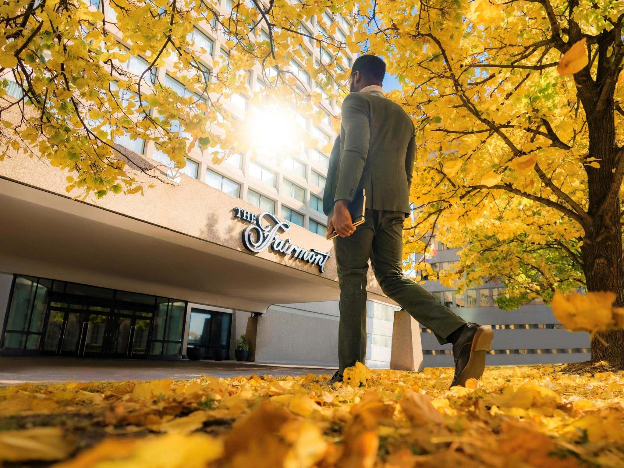 โรงแรม – Fairmont Winnipeg