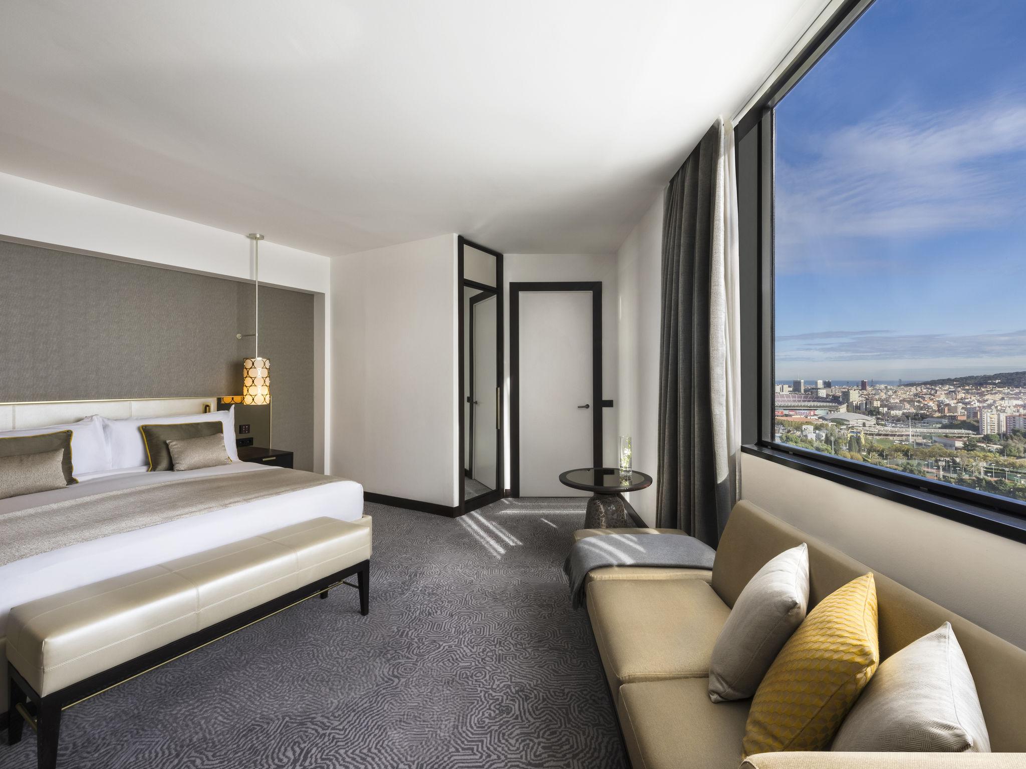 h tel barcelone fairmont rey juan carlos i barcelone. Black Bedroom Furniture Sets. Home Design Ideas