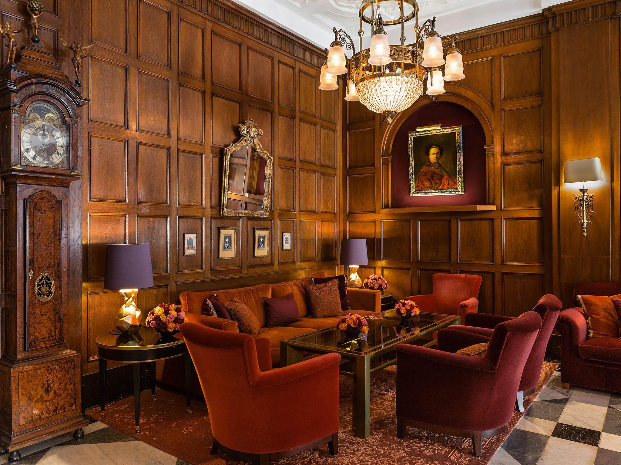 Hotel in HAMBURG - Fairmont Hotel Vier Jahreszeiten