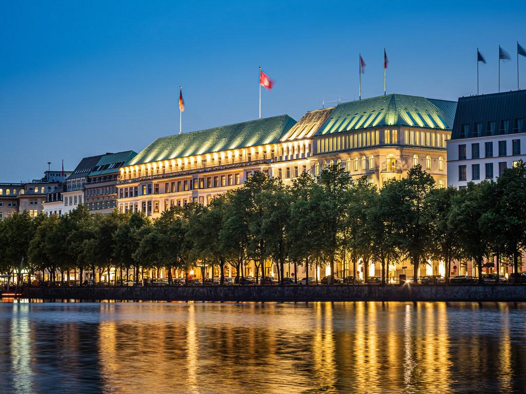 Hotel In Hamburg Fairmont Hotel Vier Jahreszeiten Accorhotels