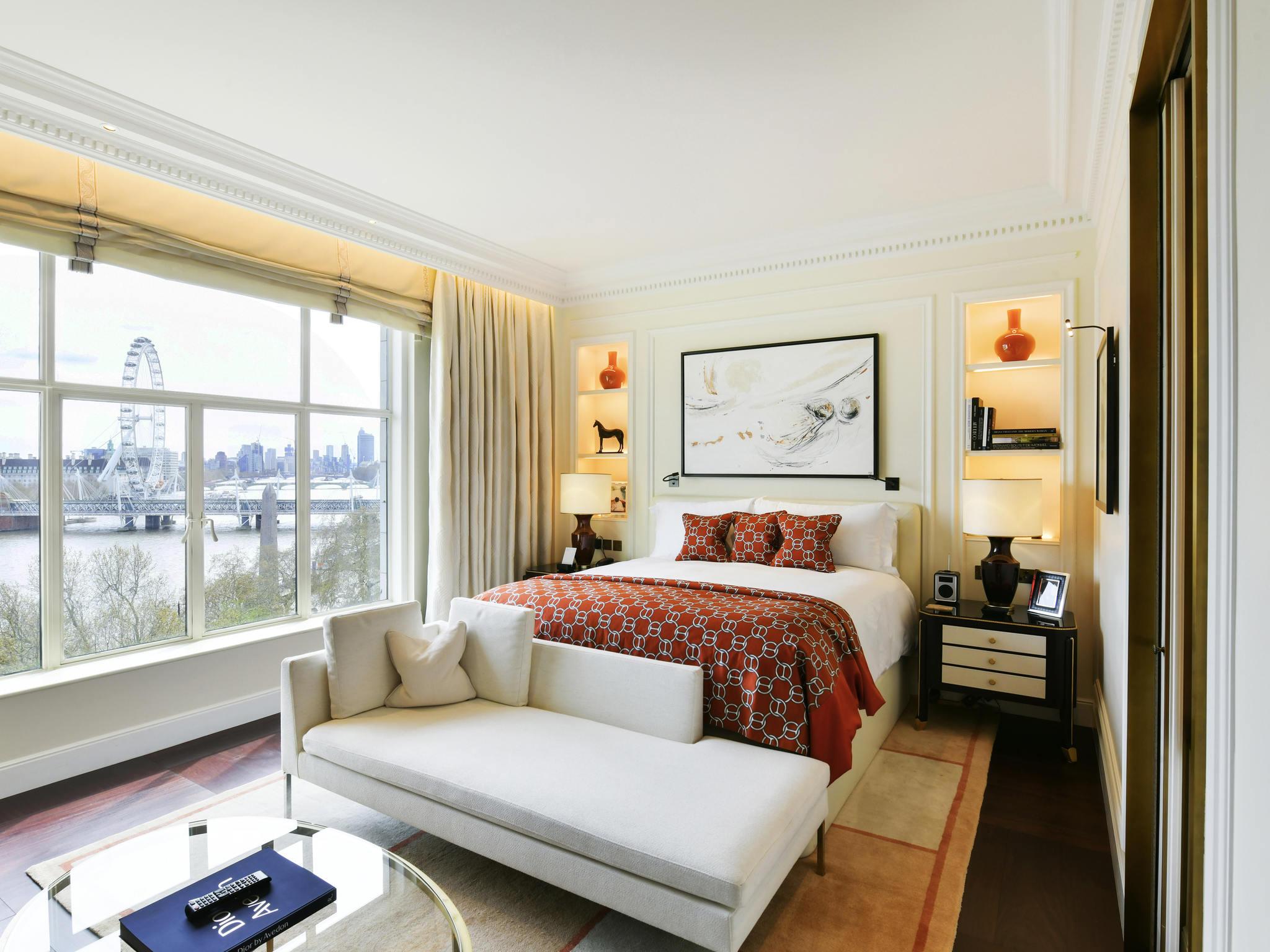 호텔 – The Savoy