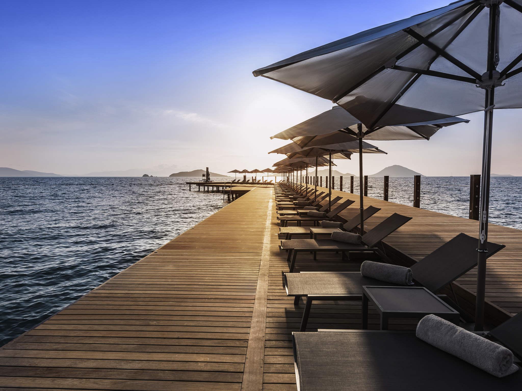 فندق - منتجع سويسوتيل، شاطئ بودروم