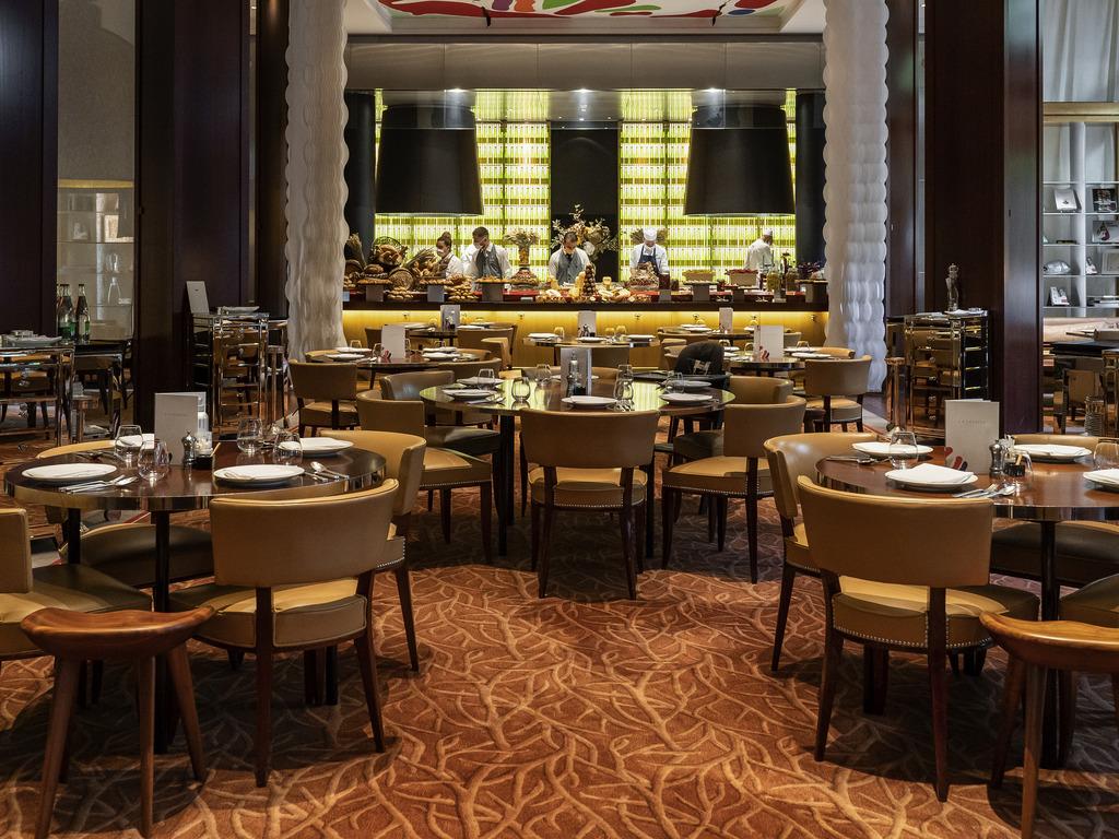 hotel in paris - le royal monceau, raffles paris