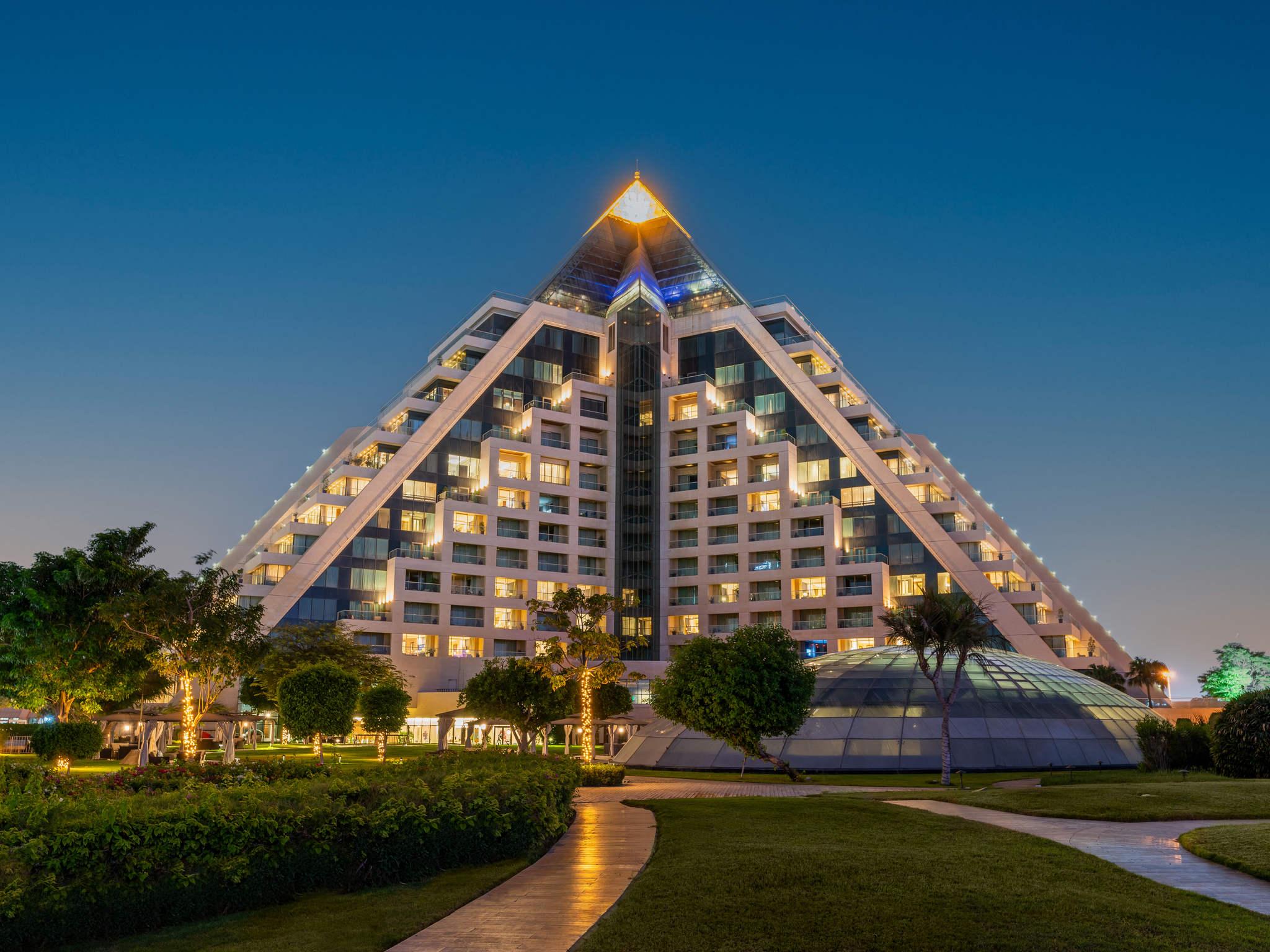 Hotel - Raffles Dubai