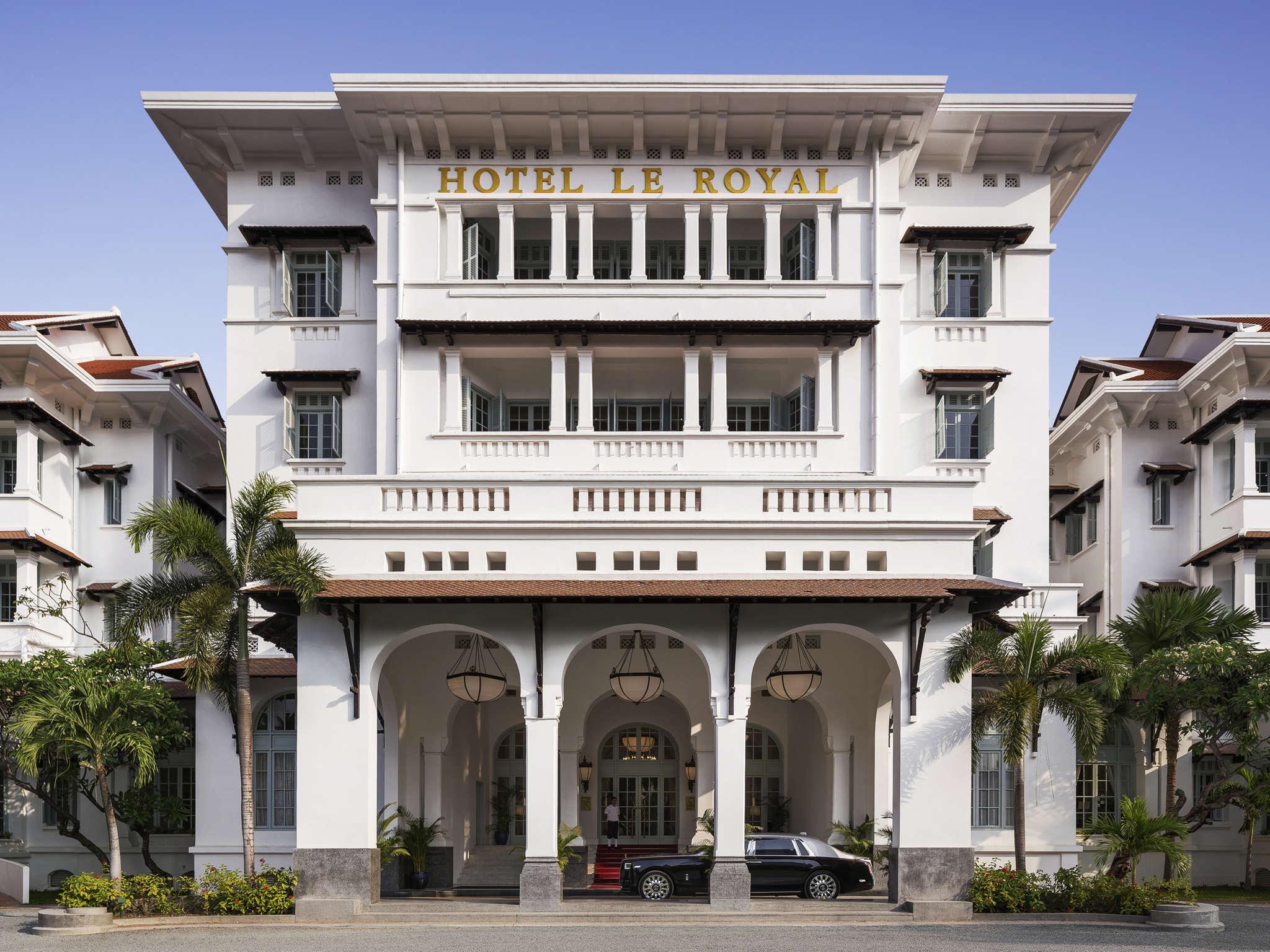 Отель — Raffles Hotel Le Royal