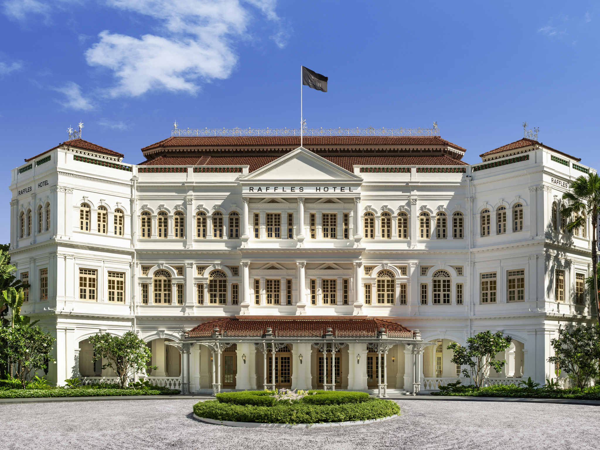 Hotel – Raffles Singapore-Closed for Restoration until second half 2018