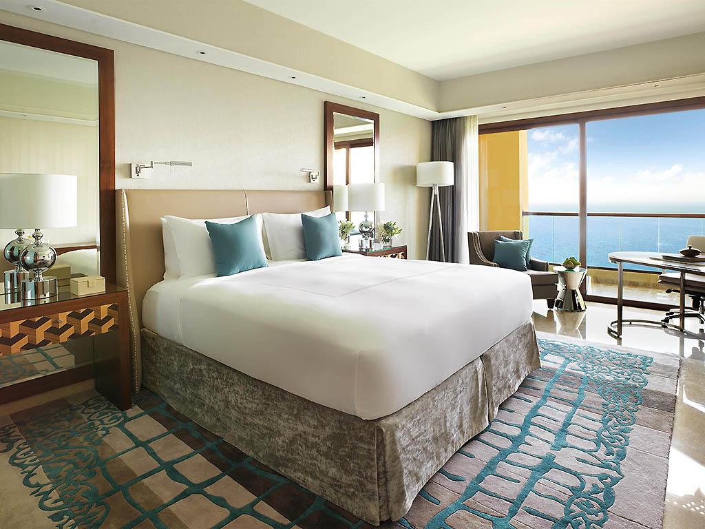 Hotel in Ajman - Fairmont Ajman - AccorHotels