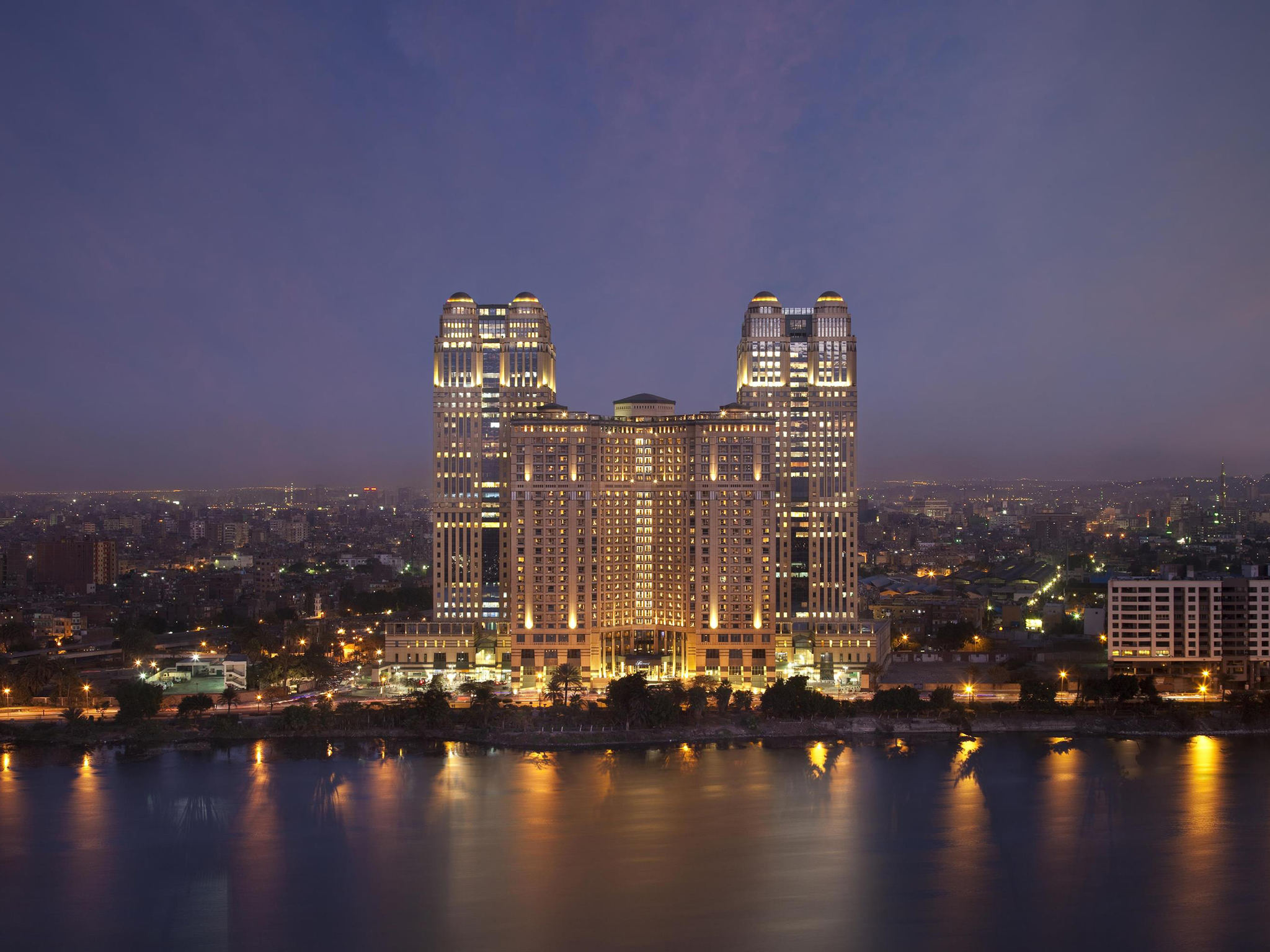 Hotel In Cairo Fairmont Nile City - Stunning-art-deco-with-spectacular-river-and-city-views