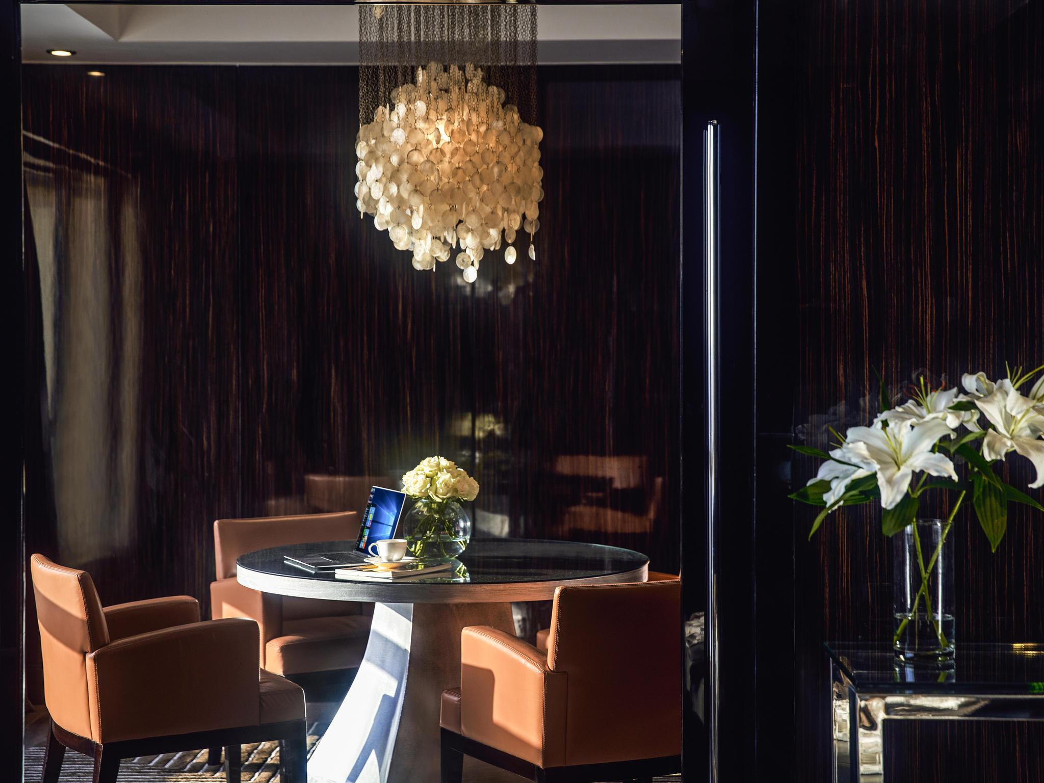 Hotel in caÏro fairmont nile city