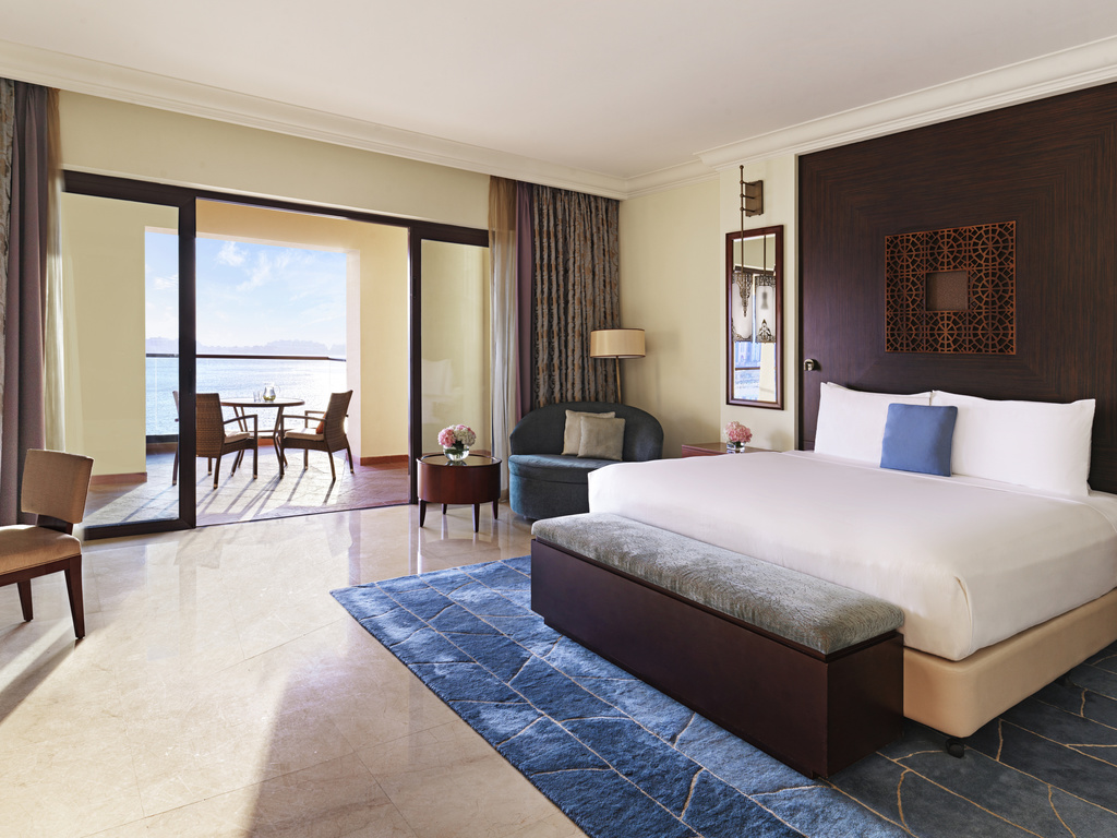 Hotel in dubai   fairmont the palm