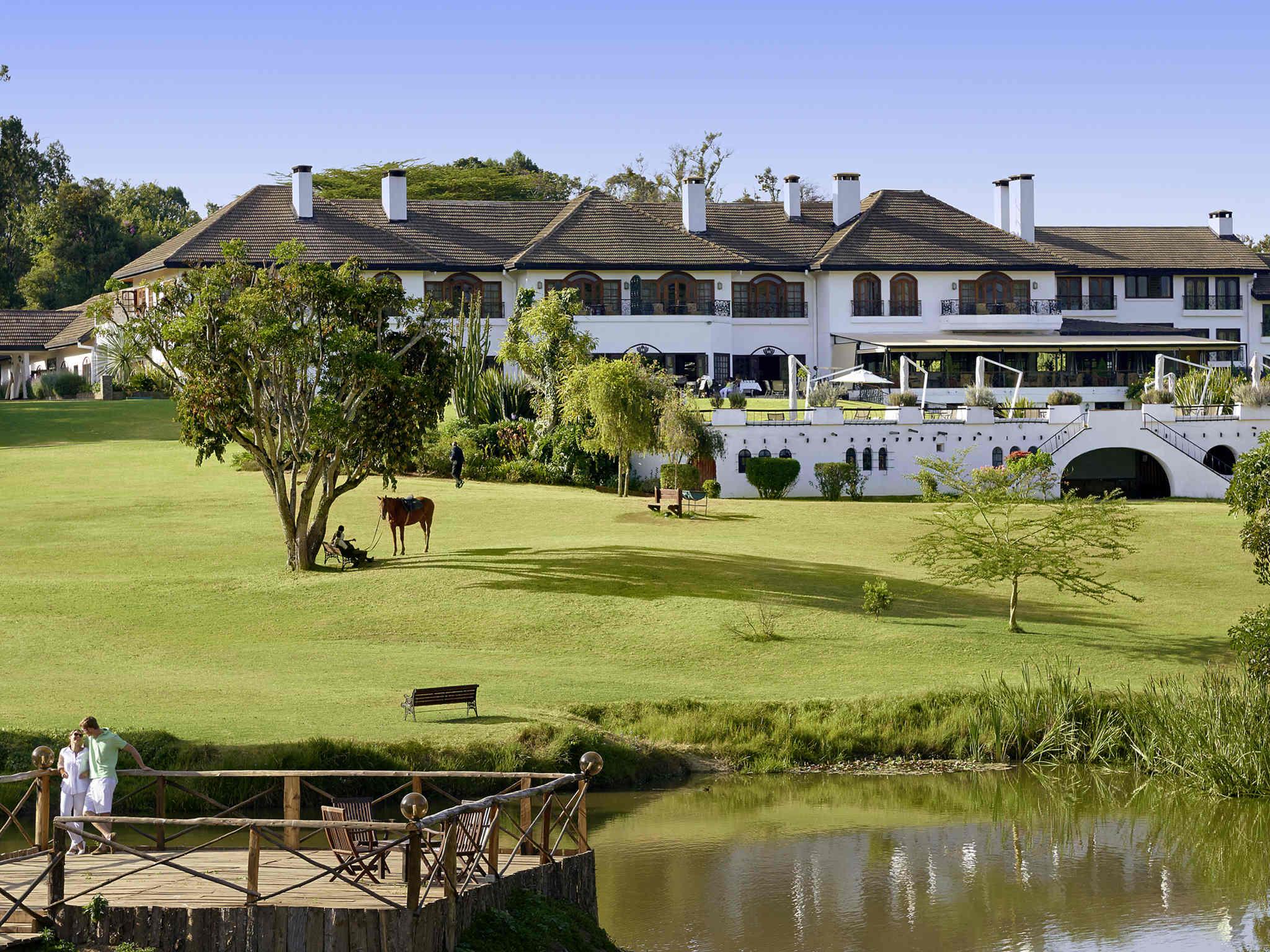 Отель — Fairmont Mount Kenya Safari Club