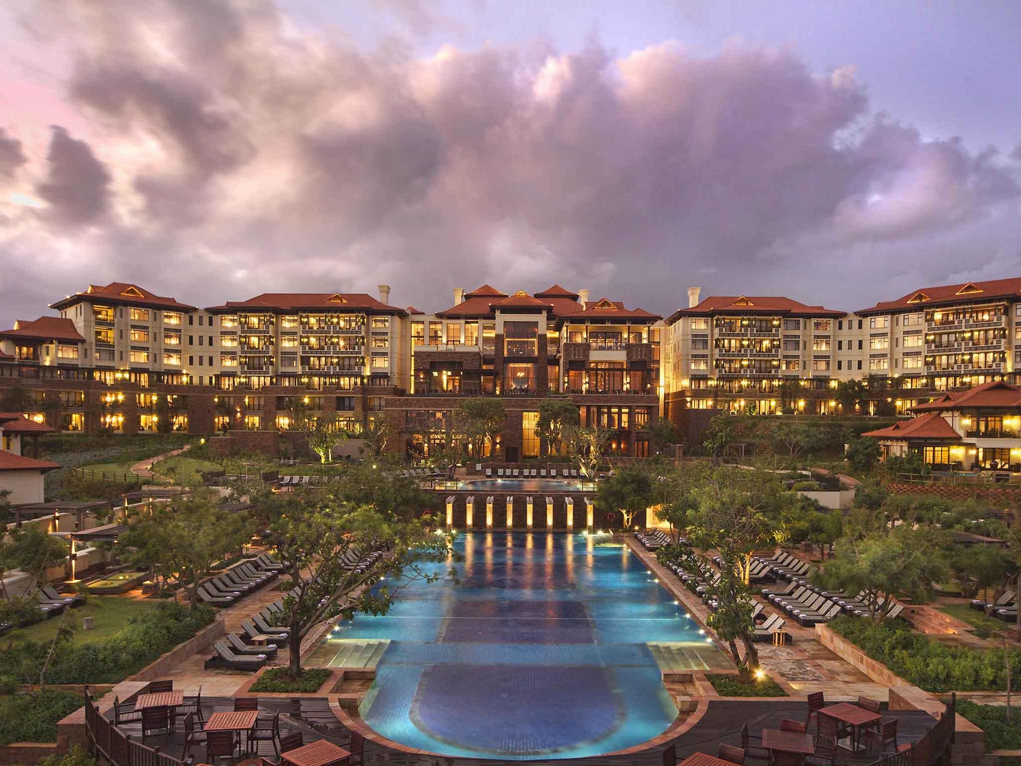 โรงแรม – Fairmont Zimbali Resort