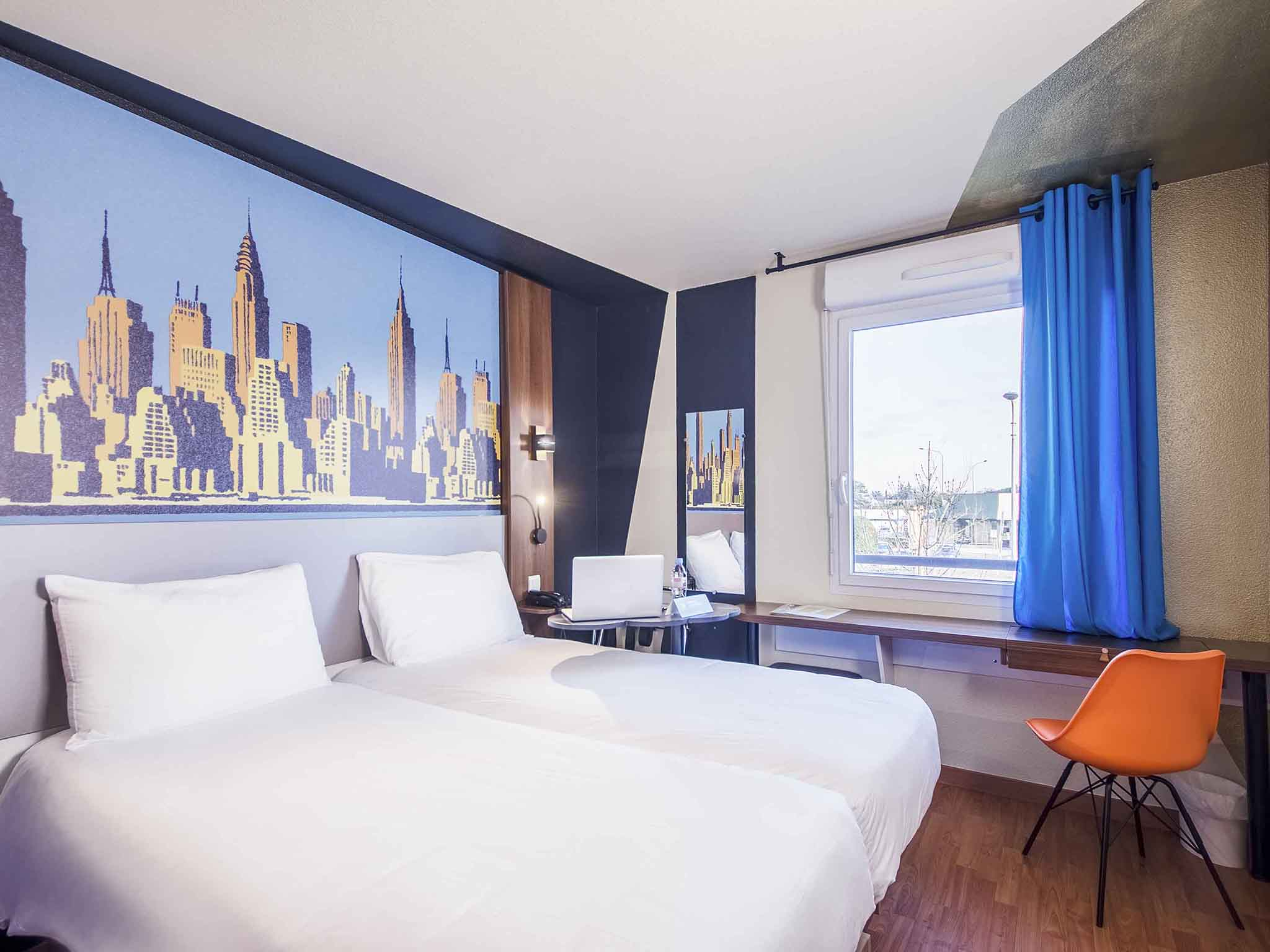 hotel in blagnac ibis styles toulouse blagnac airport. Black Bedroom Furniture Sets. Home Design Ideas