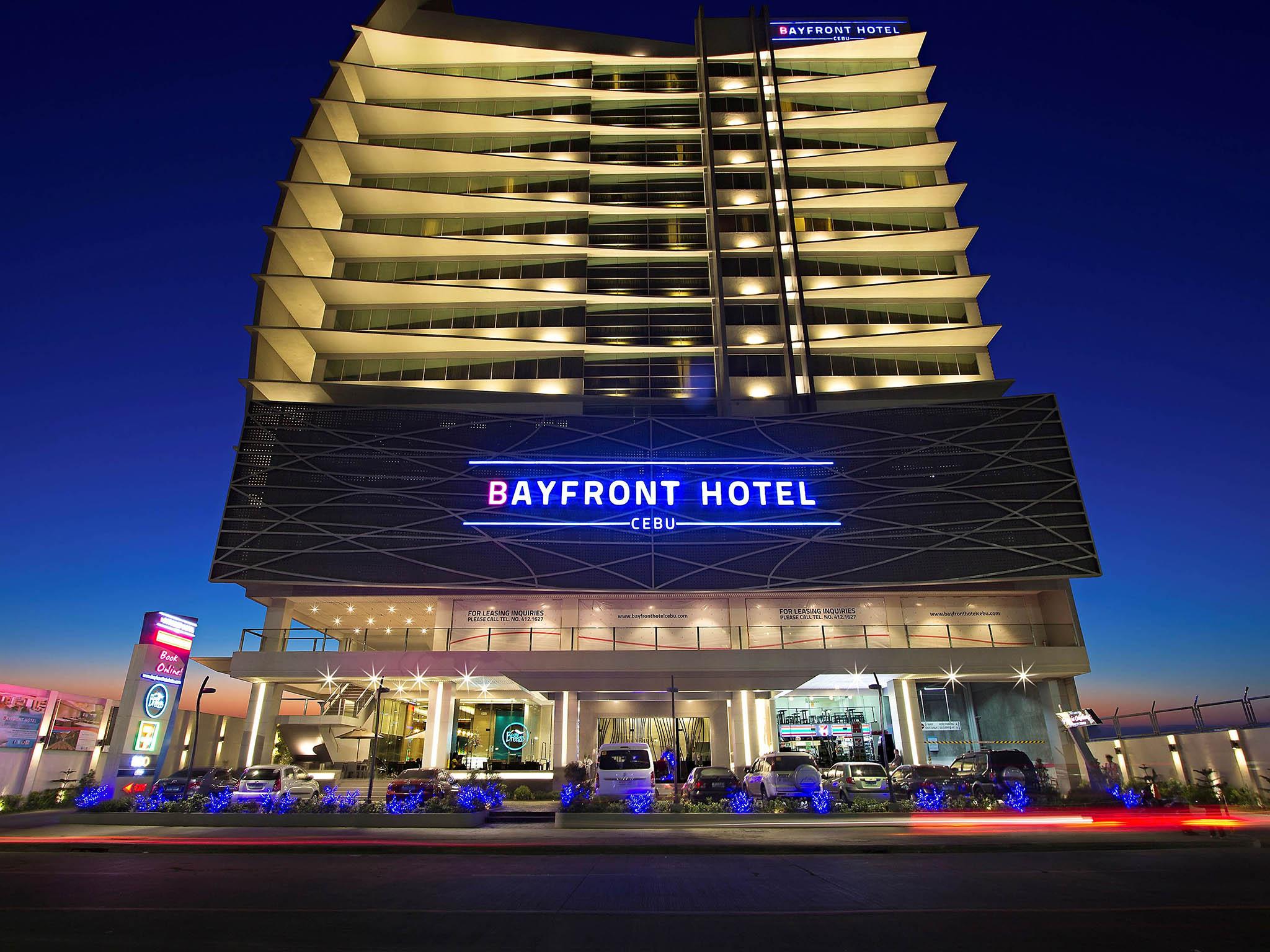 Destination Bayfront Hotel Cebu