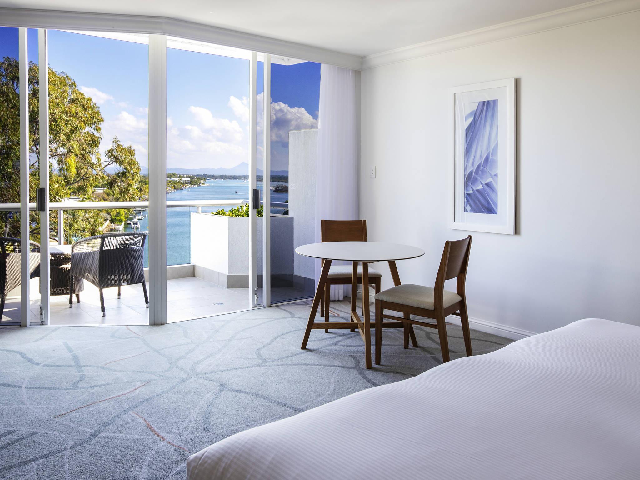 โรงแรม – Sofitel Noosa Pacific Resort
