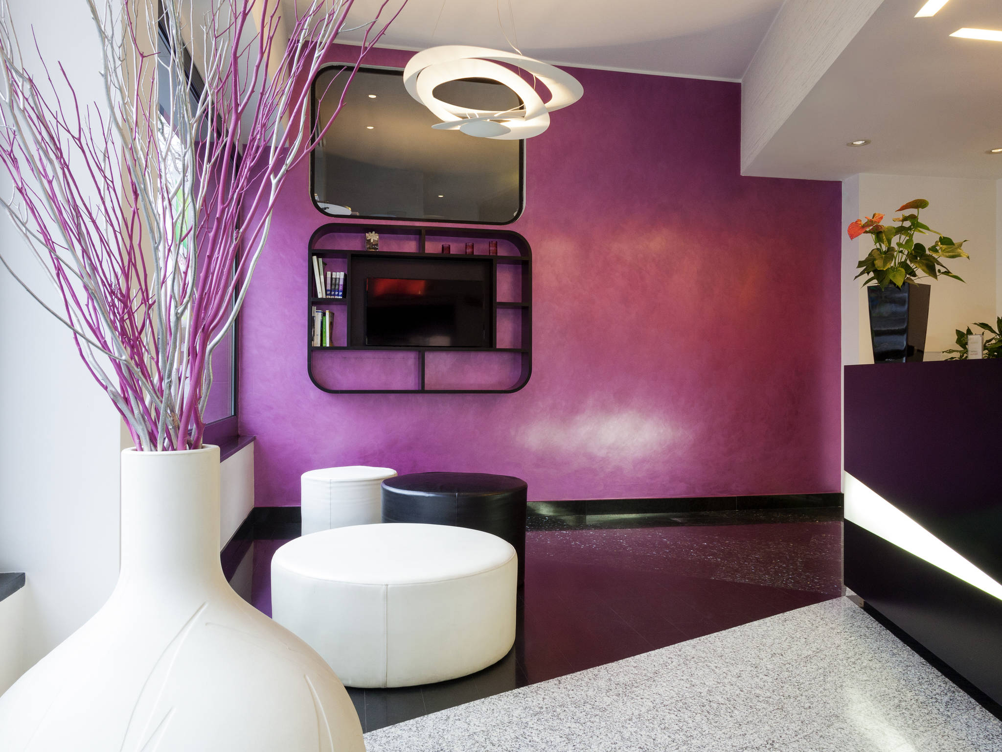 Отель — ibis Styles Рома Арт Ноба