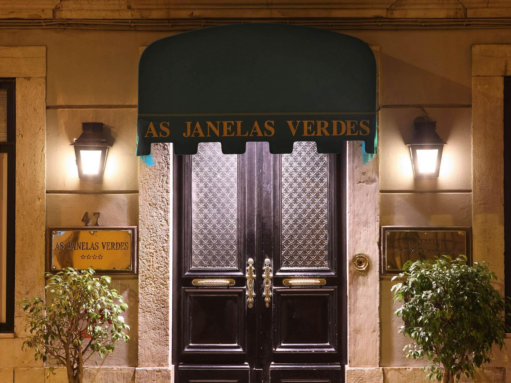 #9E692D Hotel em LISBON As Janelas Verdes Boutique Hotel 702 Janelas Verdes Lisbon