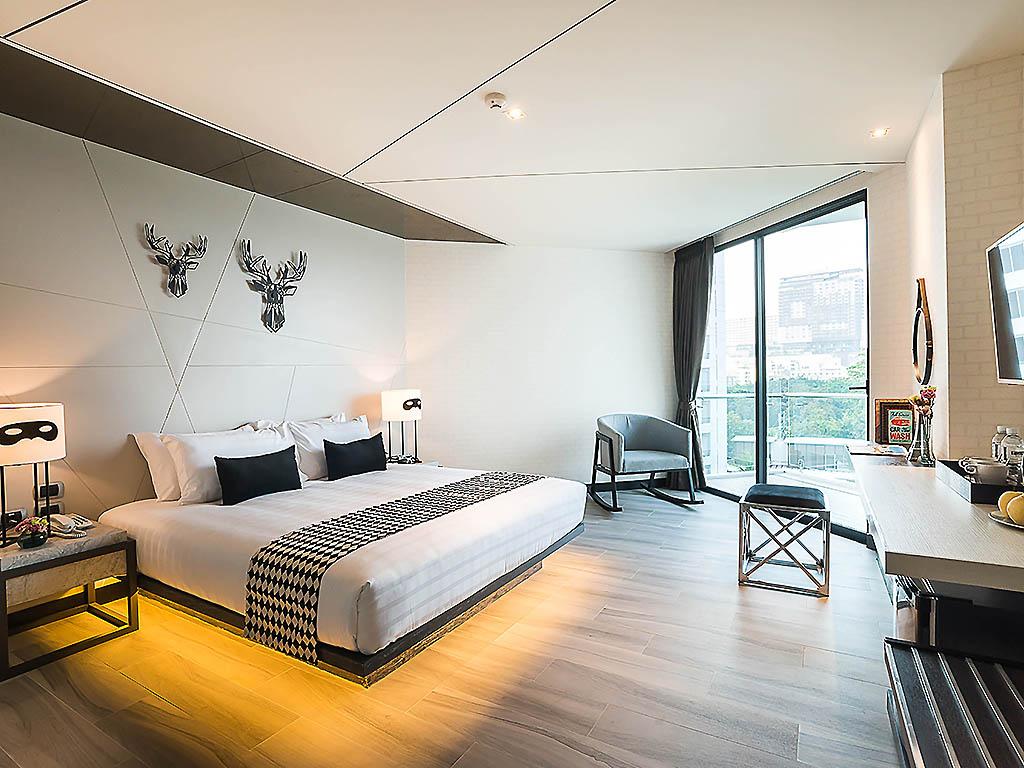 hotel in pattaya mera mare hotel. Black Bedroom Furniture Sets. Home Design Ideas