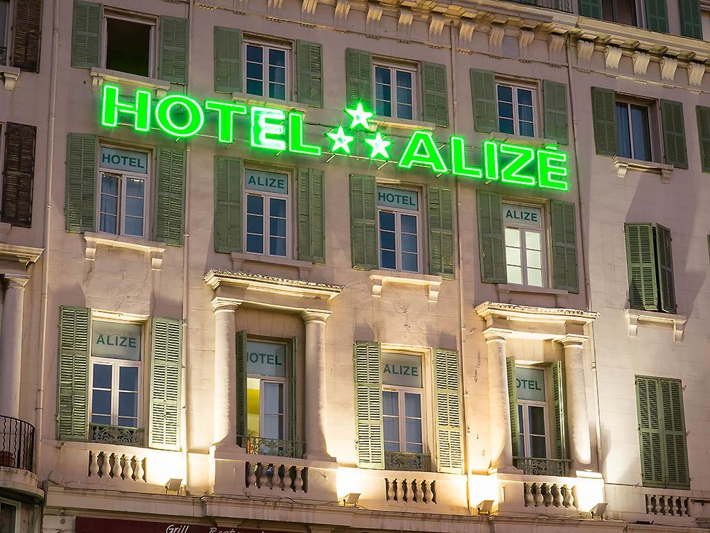 hotels marseille vieux port 28 images grand hotel. Black Bedroom Furniture Sets. Home Design Ideas