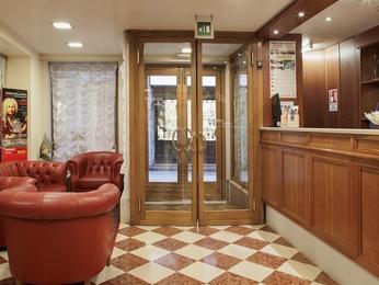 Hotel Commercio And Pellegrino