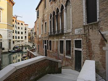 Ad Place Venice
