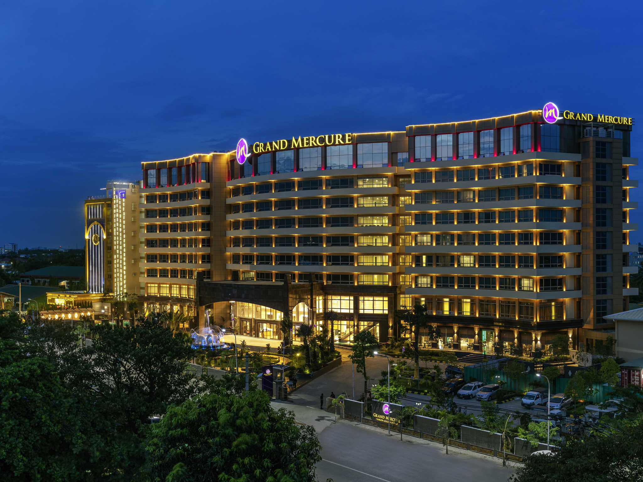 โรงแรม – Grand Mercure Yangon Golden Empire
