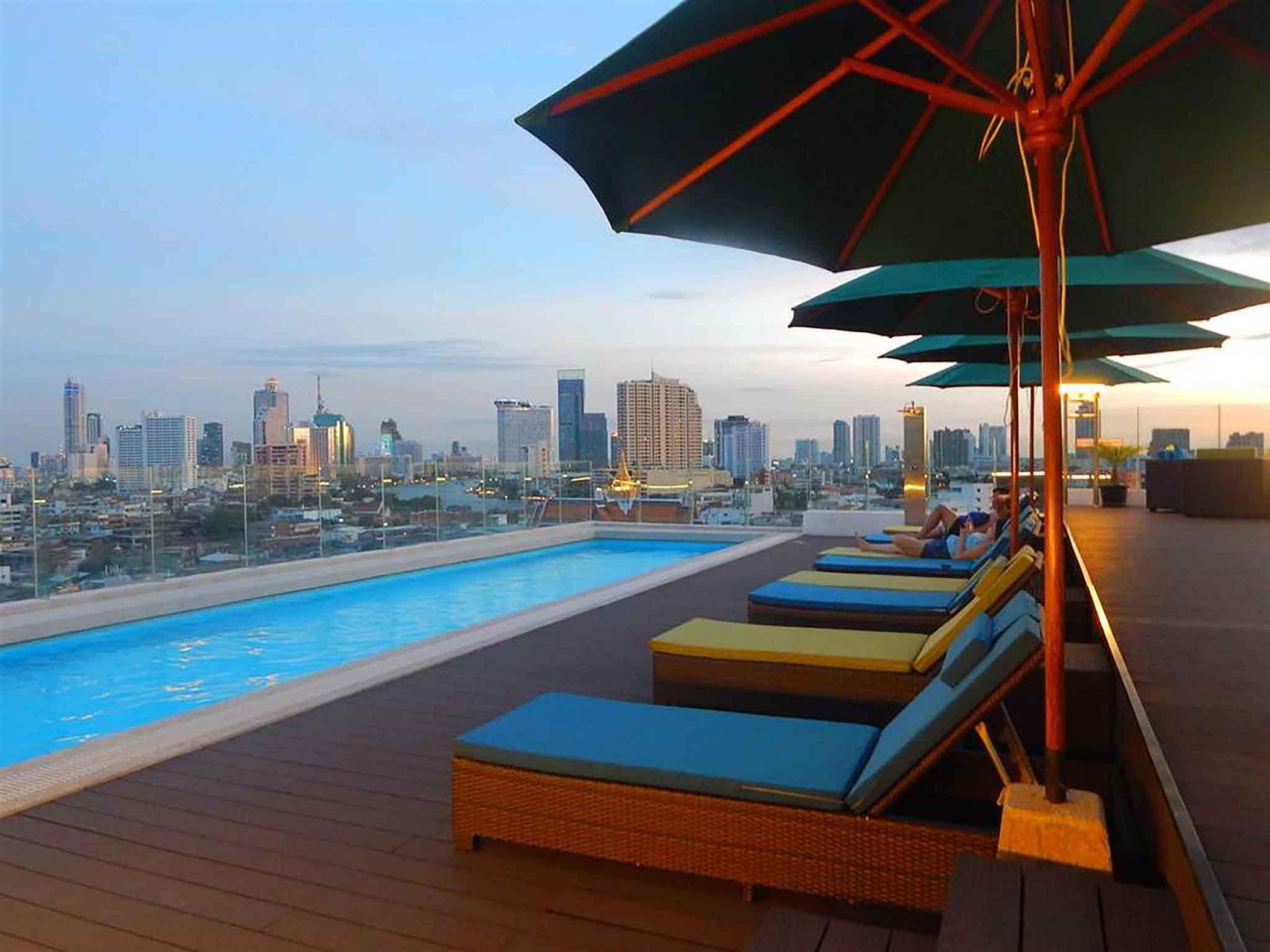 Hotel in bangkok hotel royal bangkok chinatown for Hotel bangkok