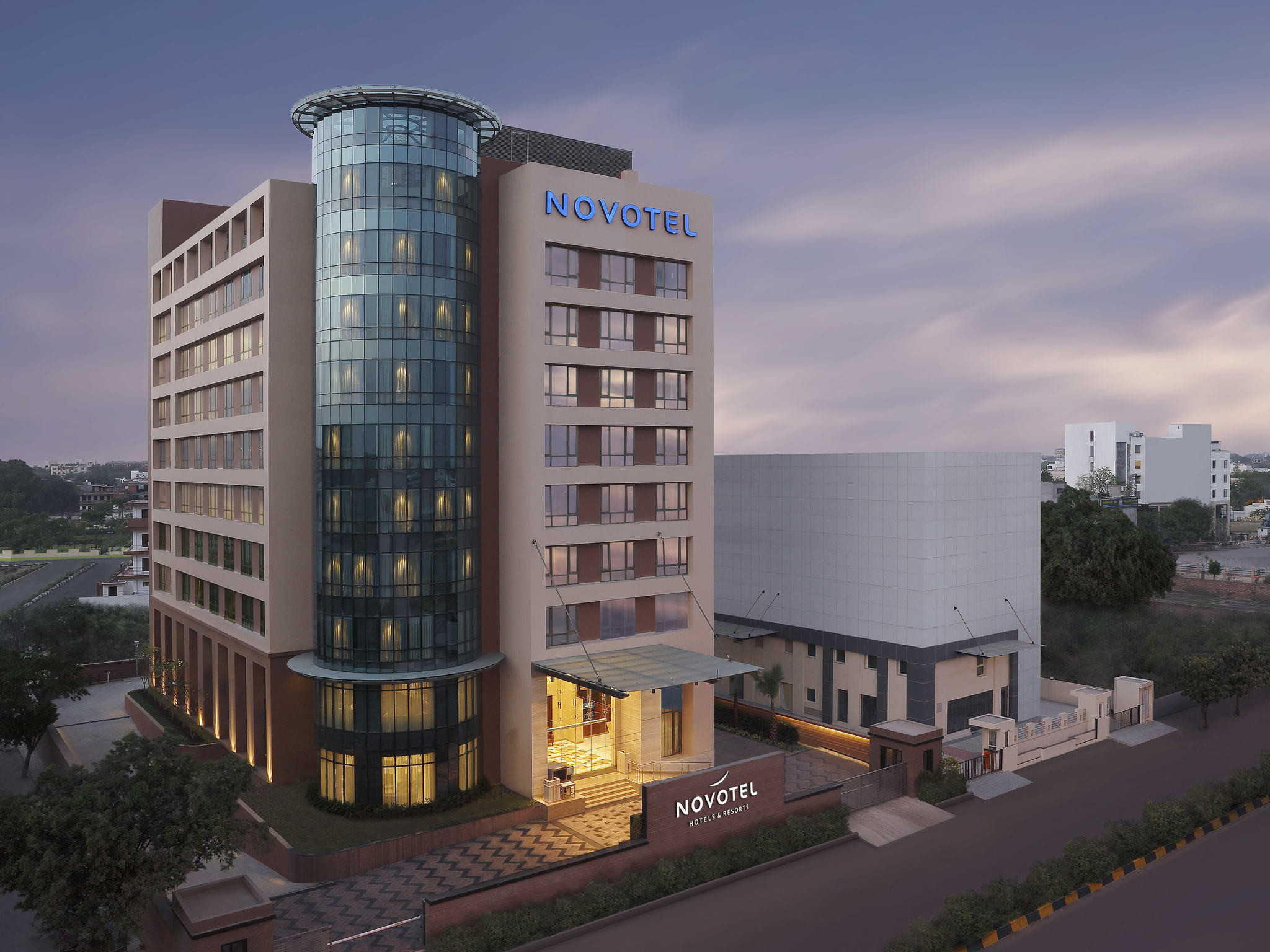 New Hotel In Lucknow Gomti Nagar Novotel Lucknow