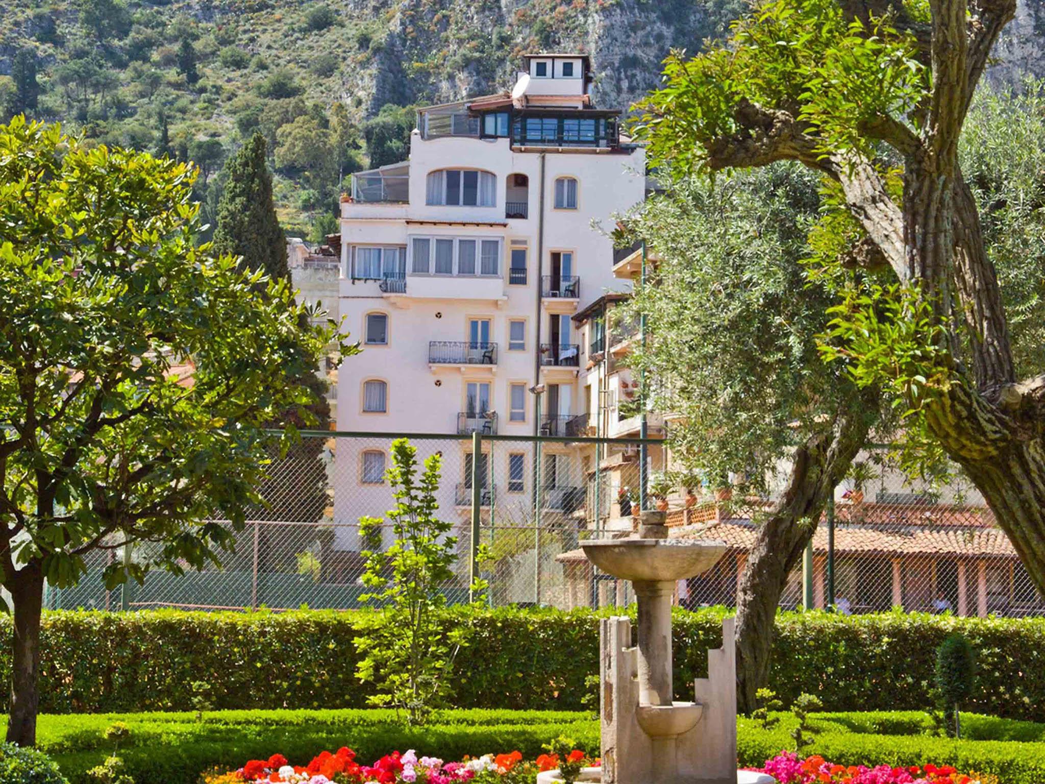 Hotel in taormina hotel villa paradiso for Hotel villa taormina