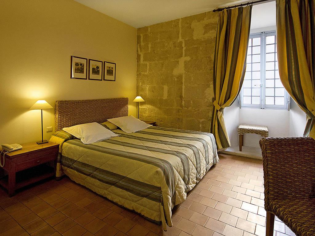 h tel saint maximin la sainte baume hotel le couvent royal maximin. Black Bedroom Furniture Sets. Home Design Ideas