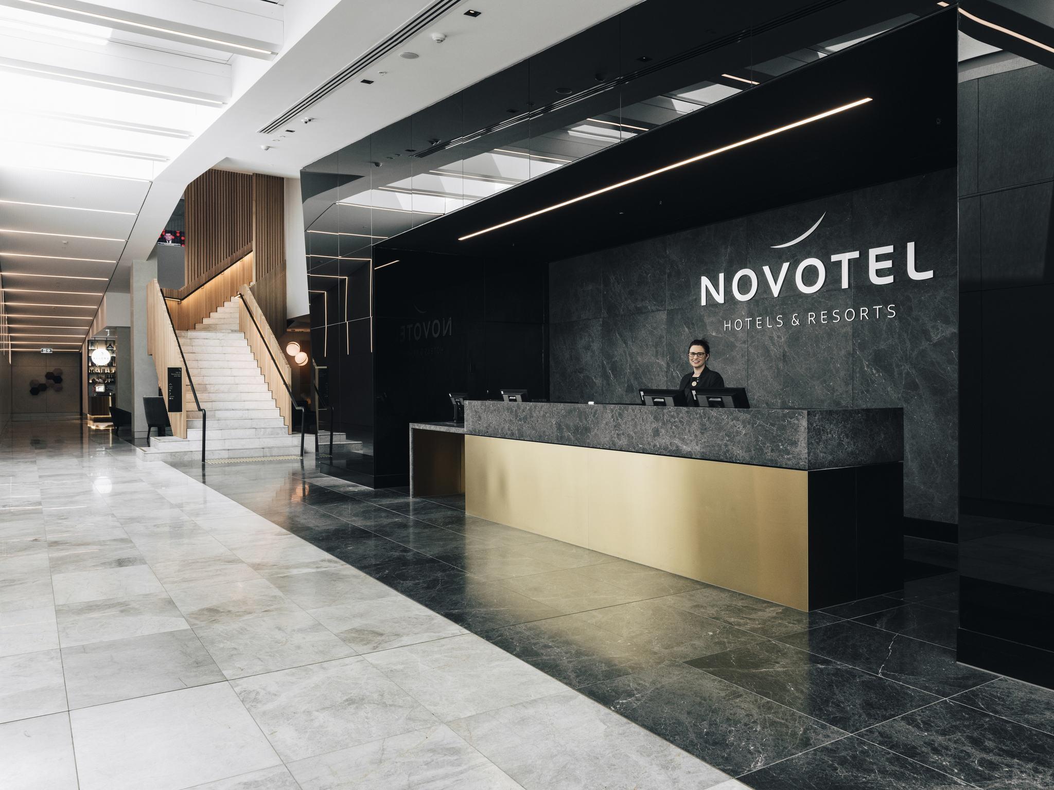 Hotel  Novotel Melbourne South Wharf