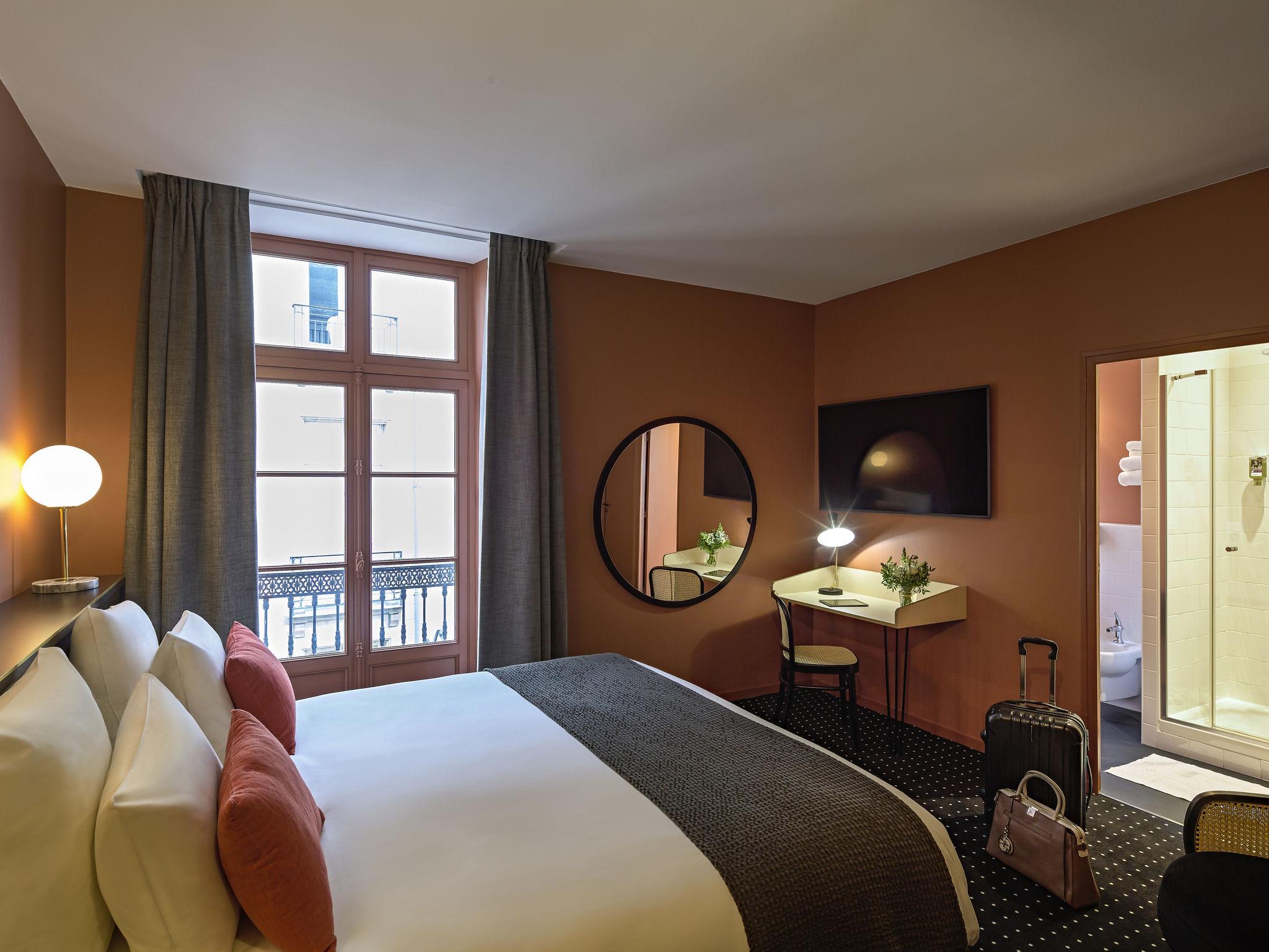 Otel – Hôtel Nantes Centre Passage Pommeraye