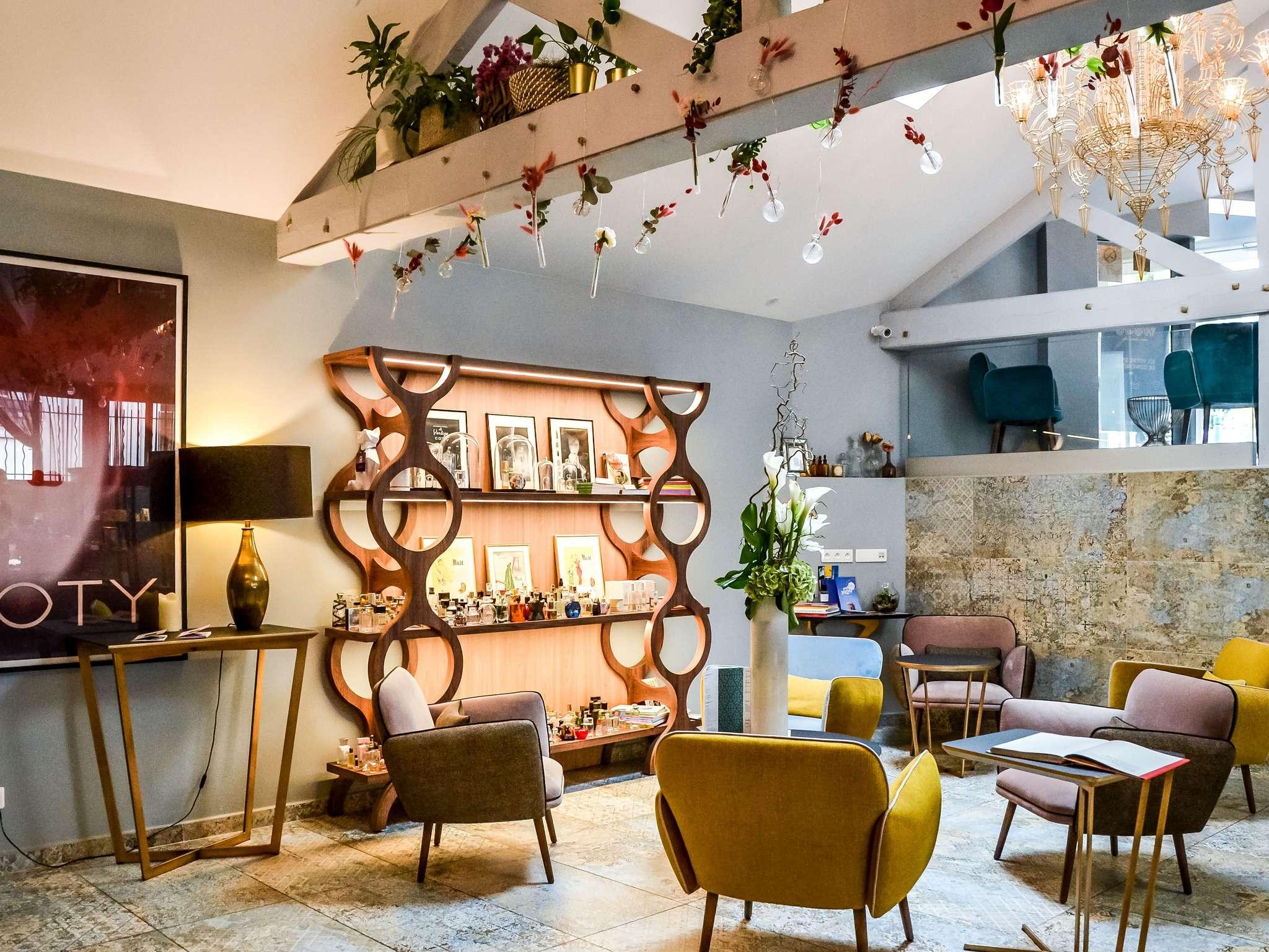 酒店 – 巴黎苏雷斯尼隆尚美居酒店